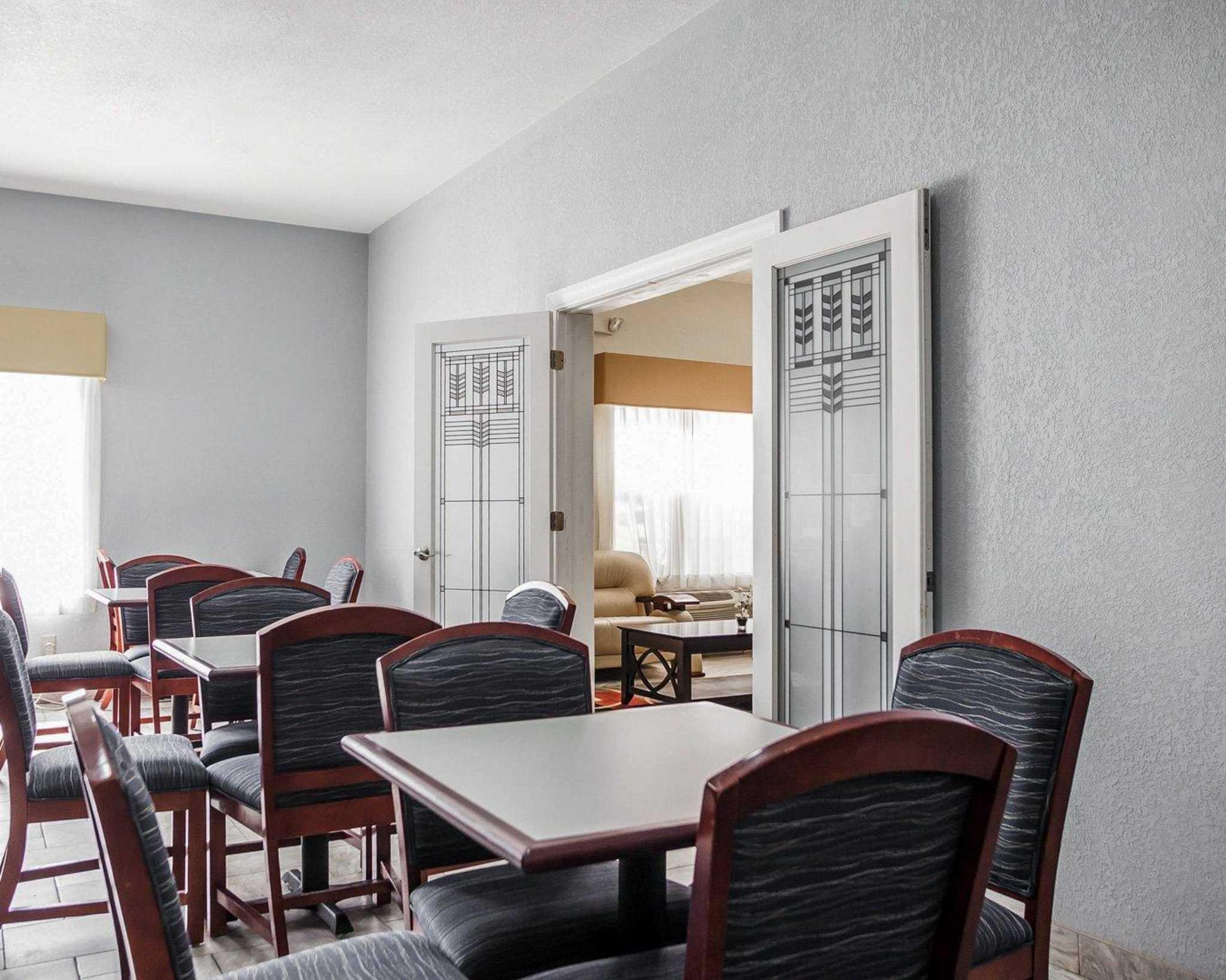 Quality Inn & Suites Altoona - Des Moines image 20