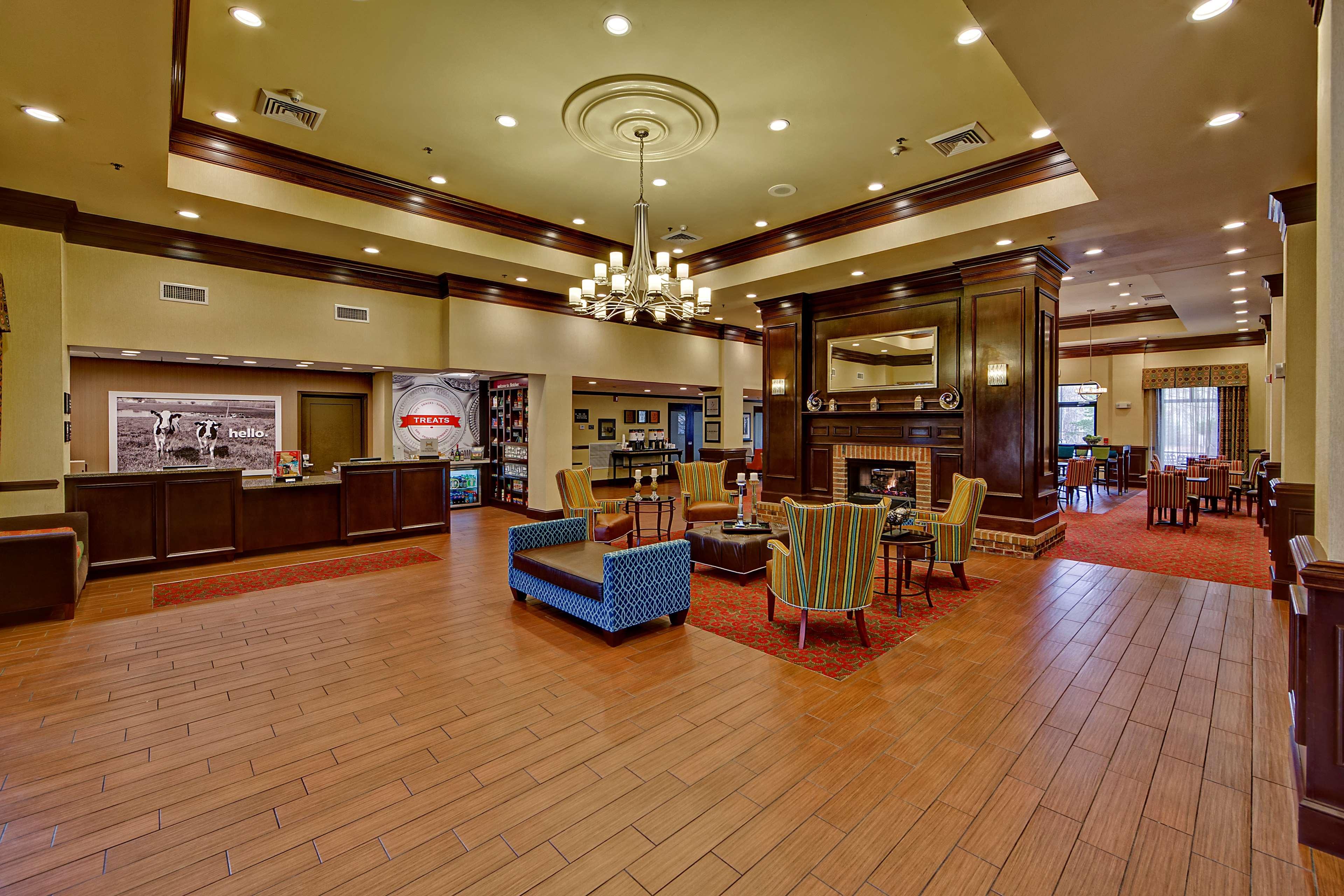 Hampton Inn & Suites Asheville-I-26 image 4
