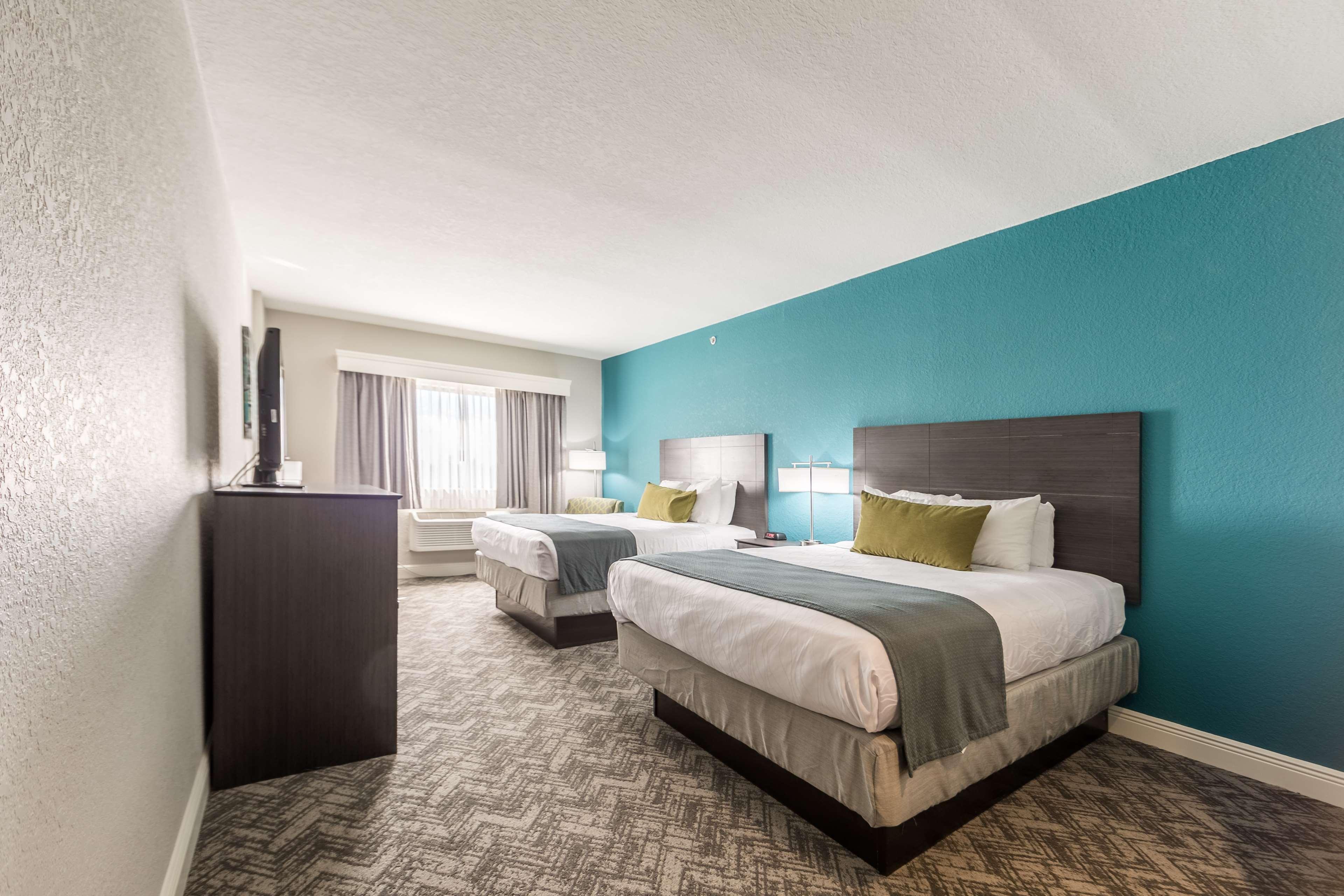 Best Western Plus Sebastian Hotel & Suites image 26