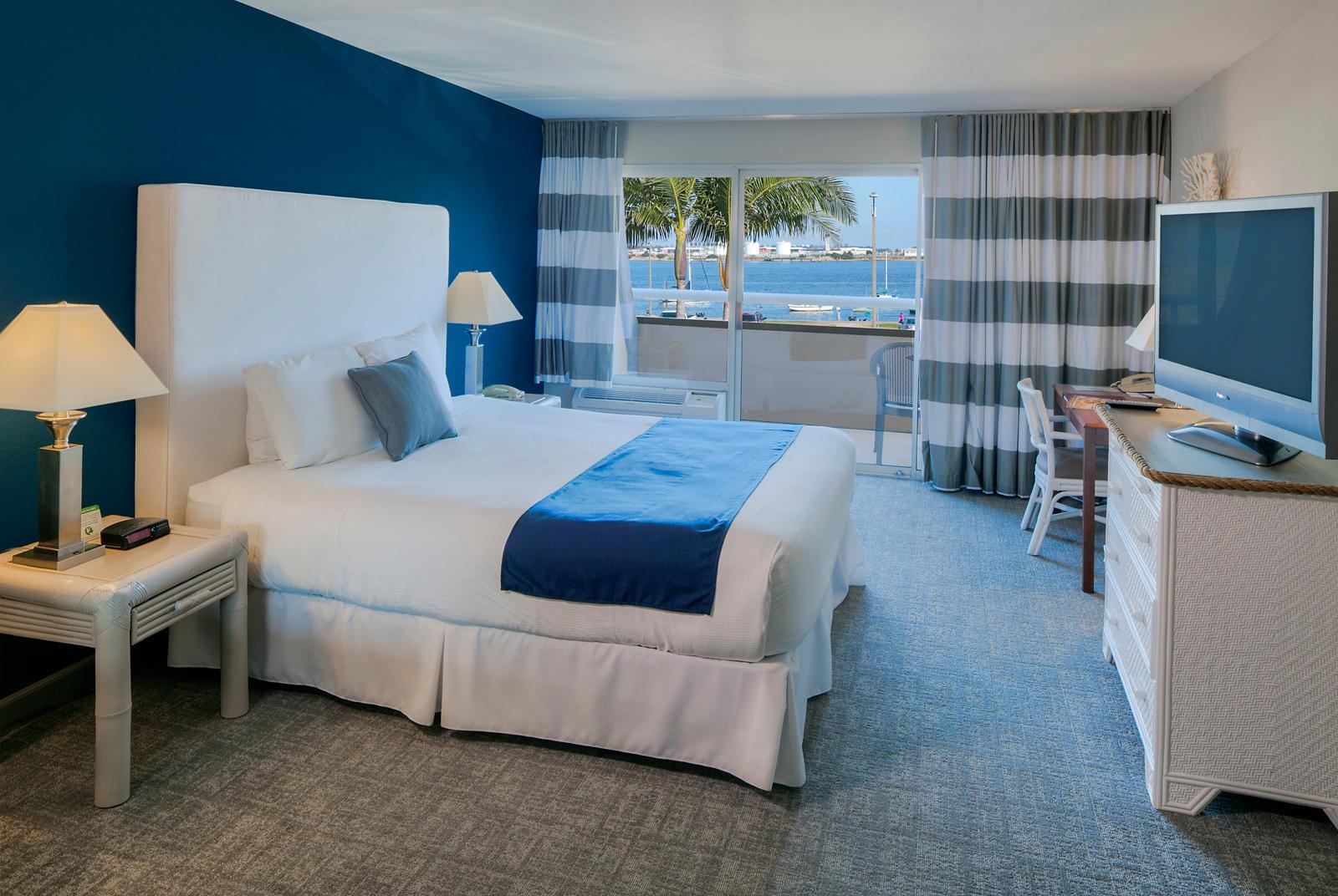 The Bay Club Hotel & Marina image 0
