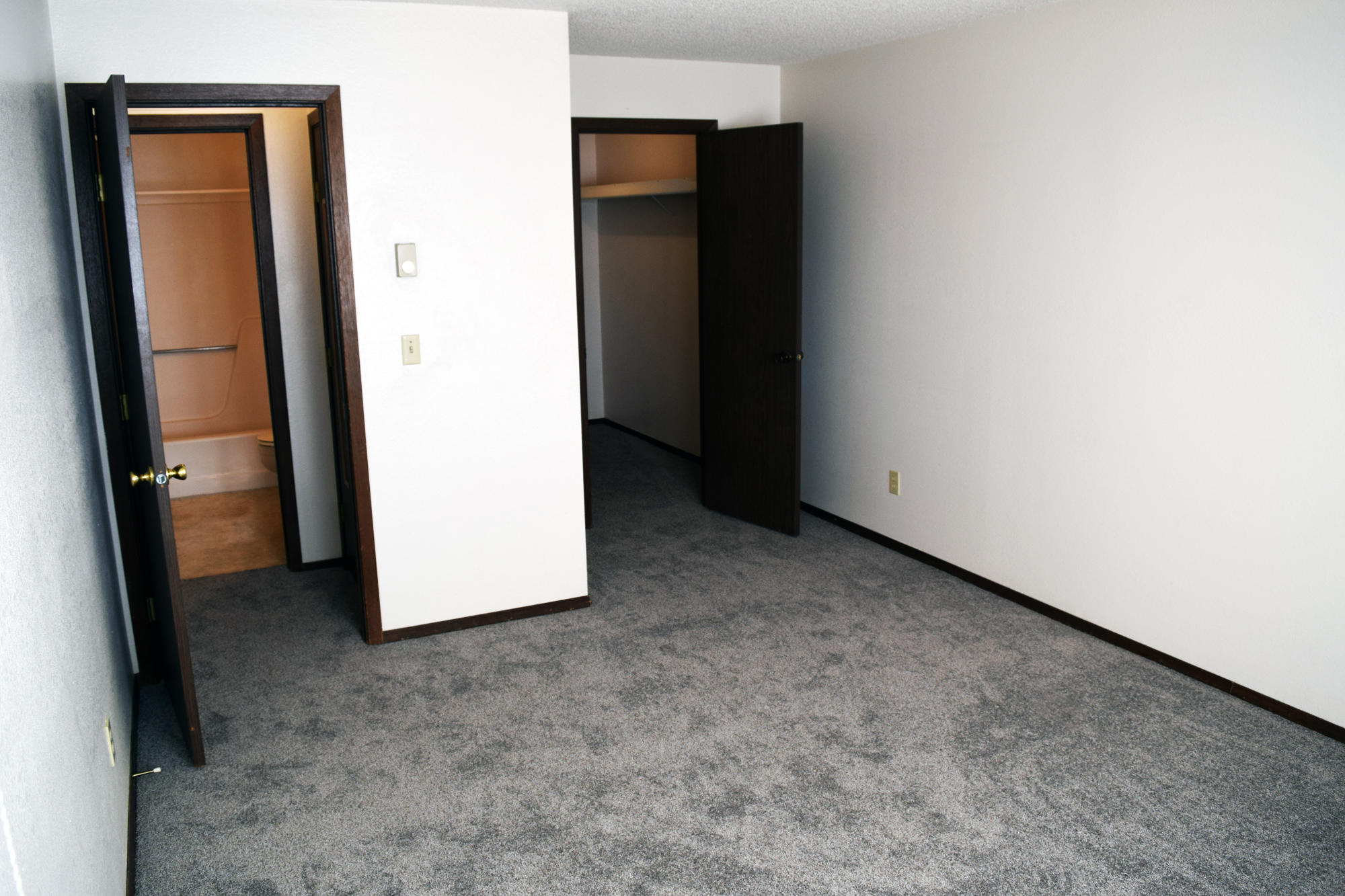 Valley View Apartments image 13