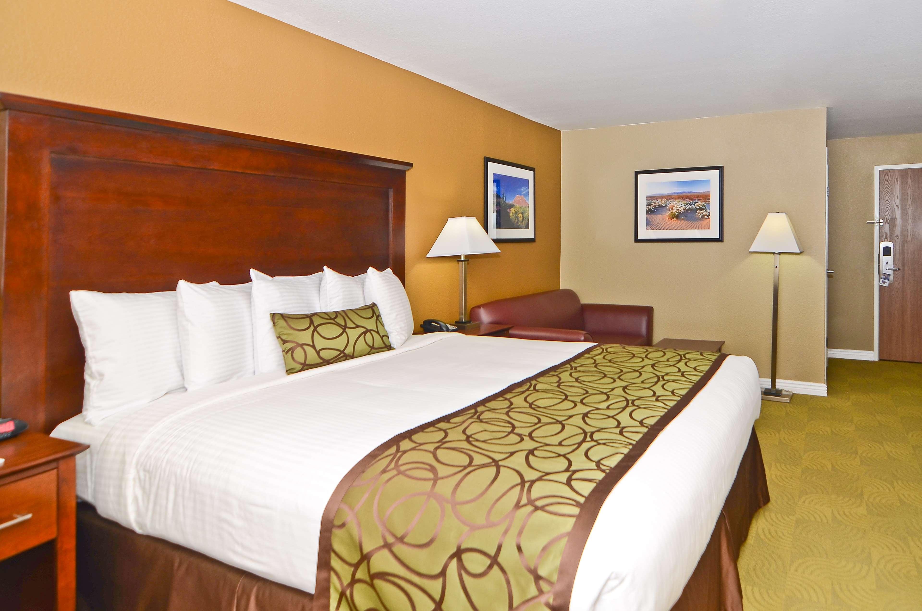 Best Western California City Inn & Suites image 18