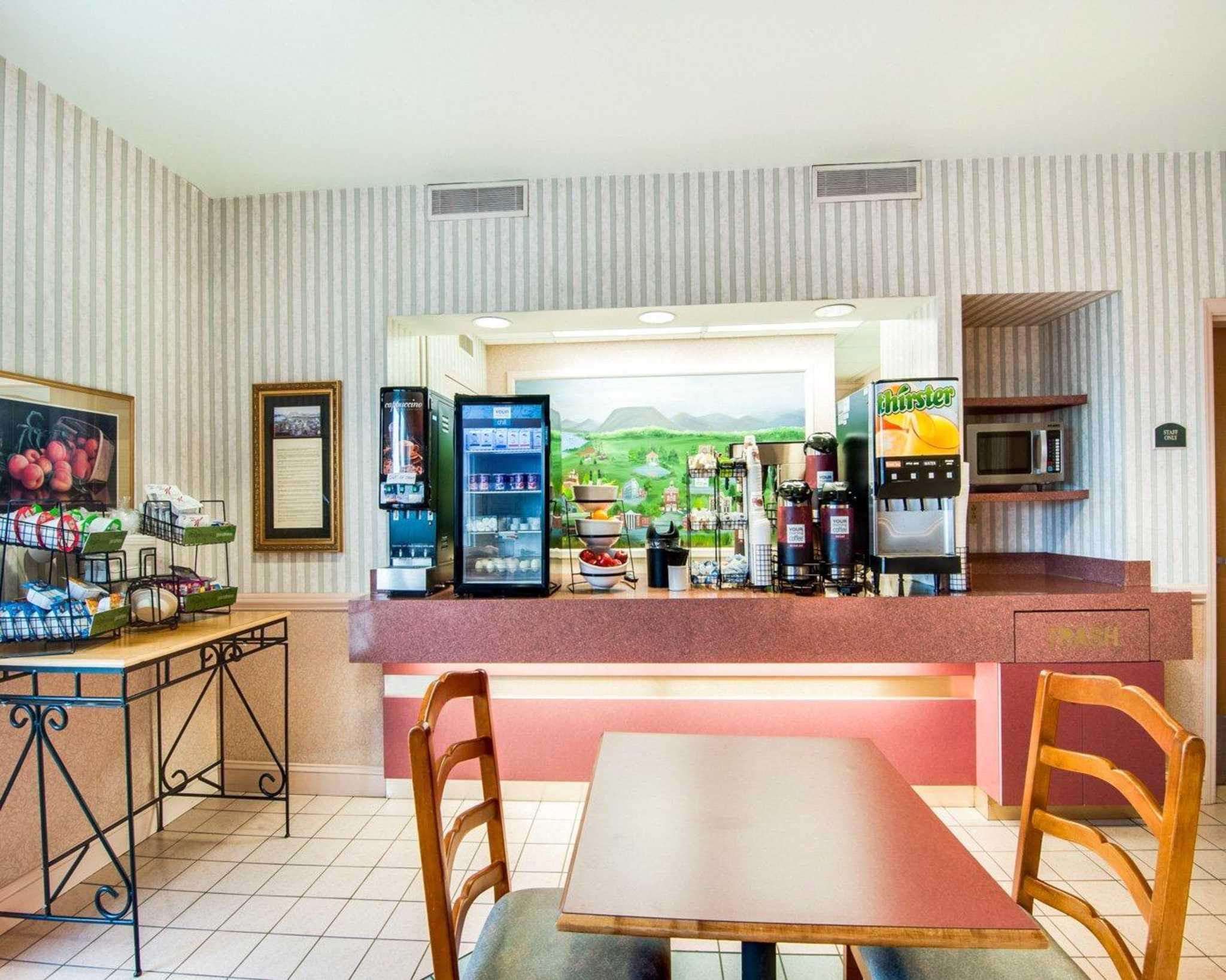 Comfort Inn Airport image 22