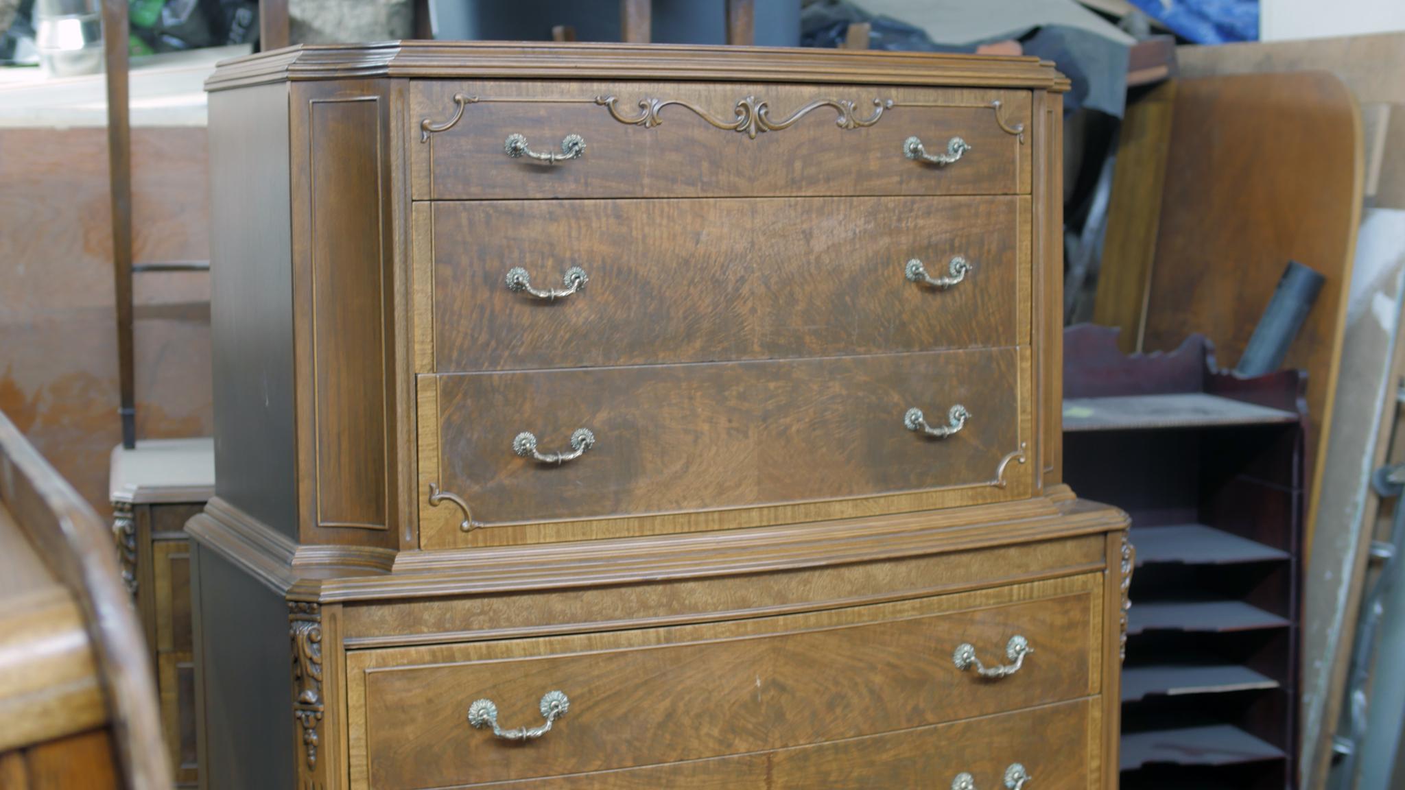 Royal furniture refinishing edmonton ab ourbis for Furniture edmonton