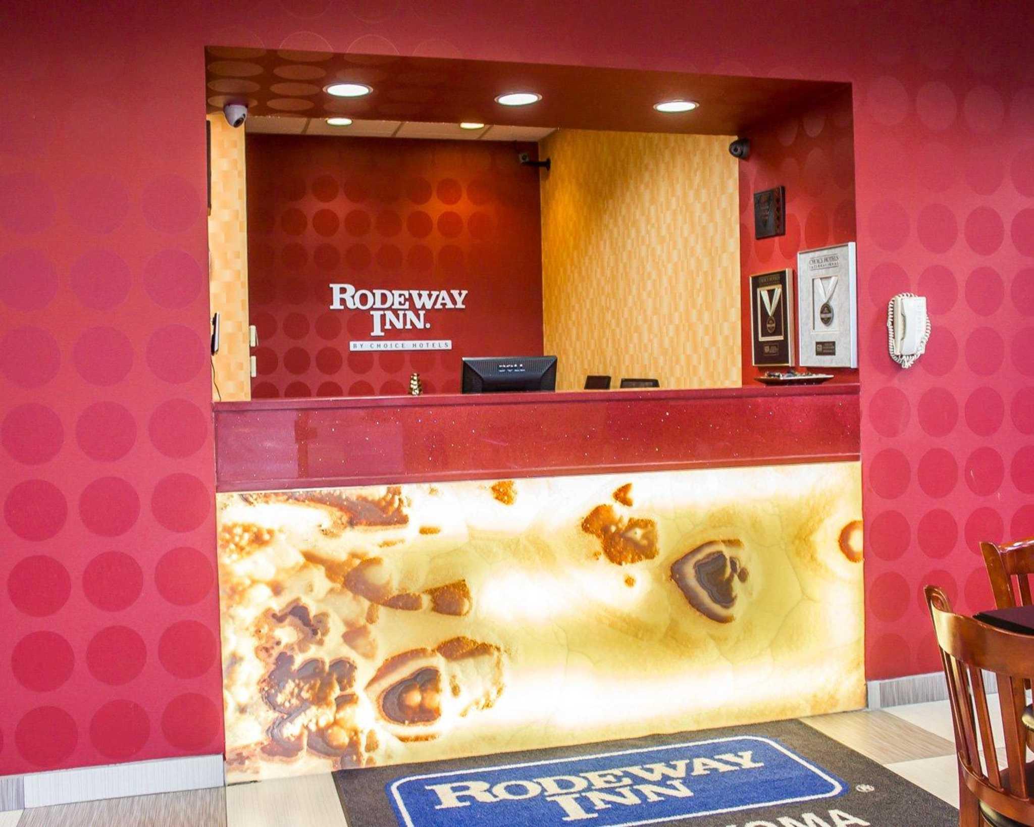 Rodeway Inn MacArthur Airport image 18