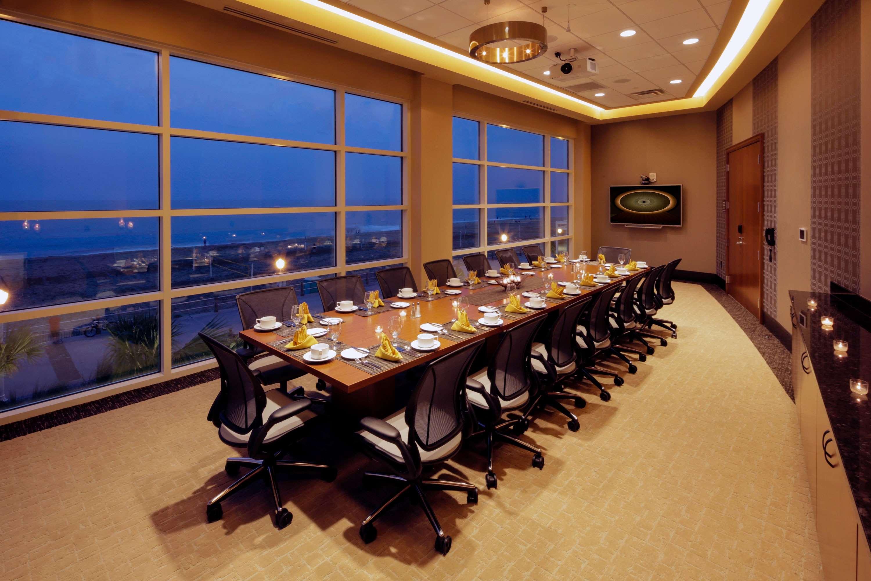 Hilton Garden Inn Virginia Beach Oceanfront image 31