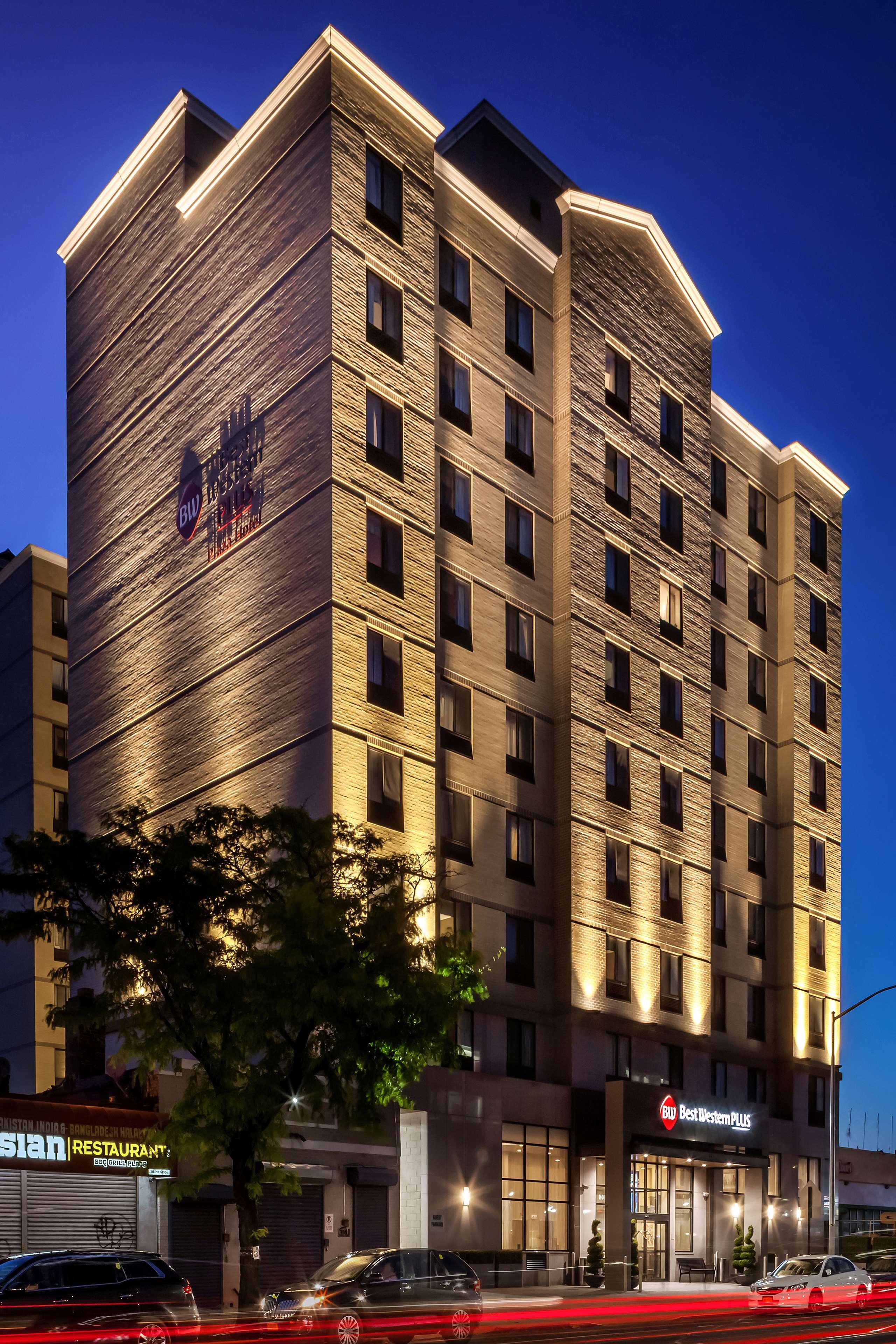 Best Western Plus Plaza Hotel image 2