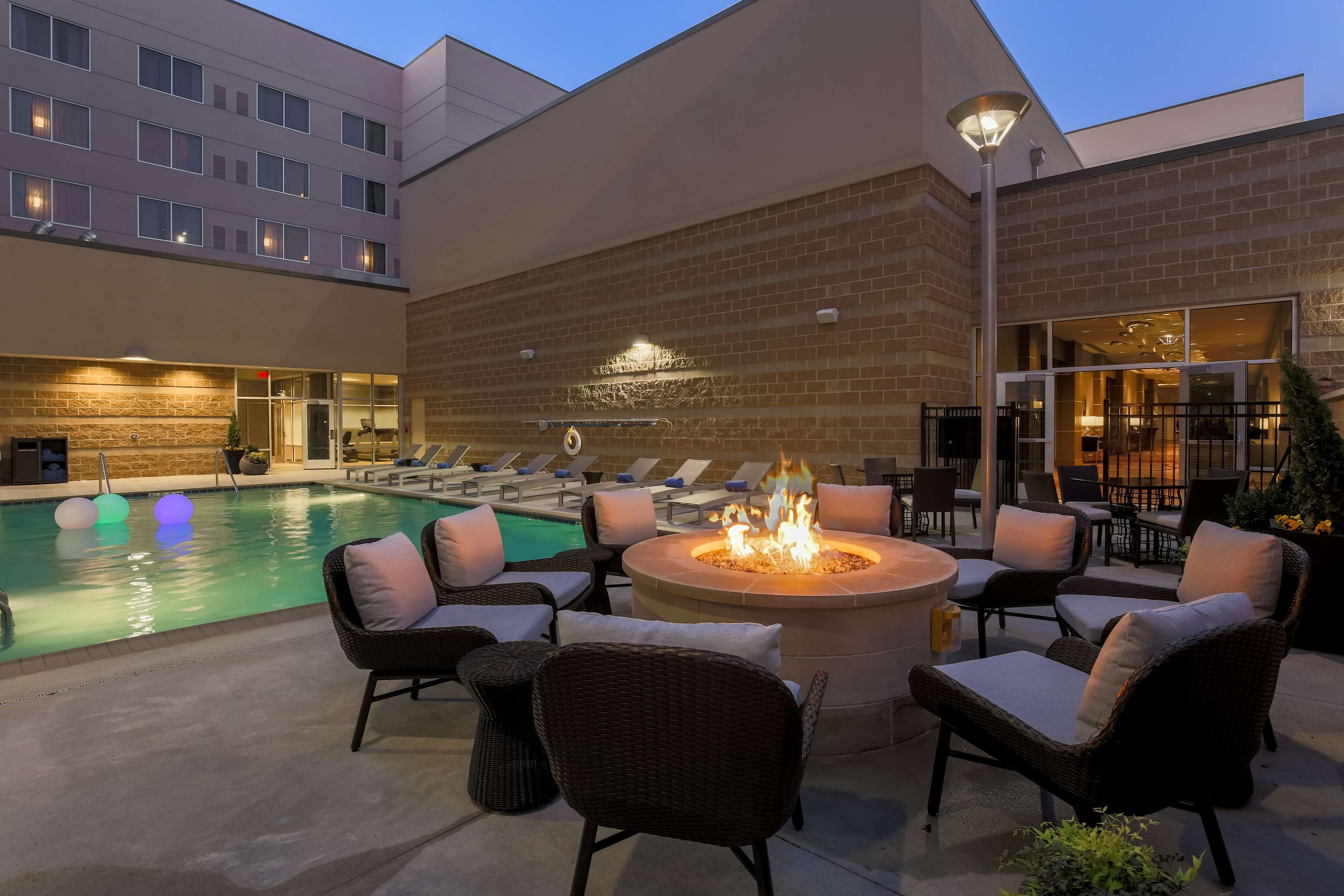 DoubleTree by Hilton Evansville image 12
