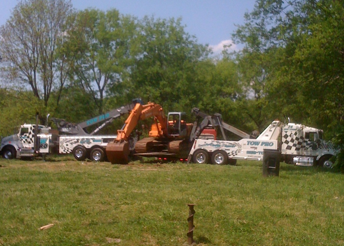 Cotton's Towing image 2