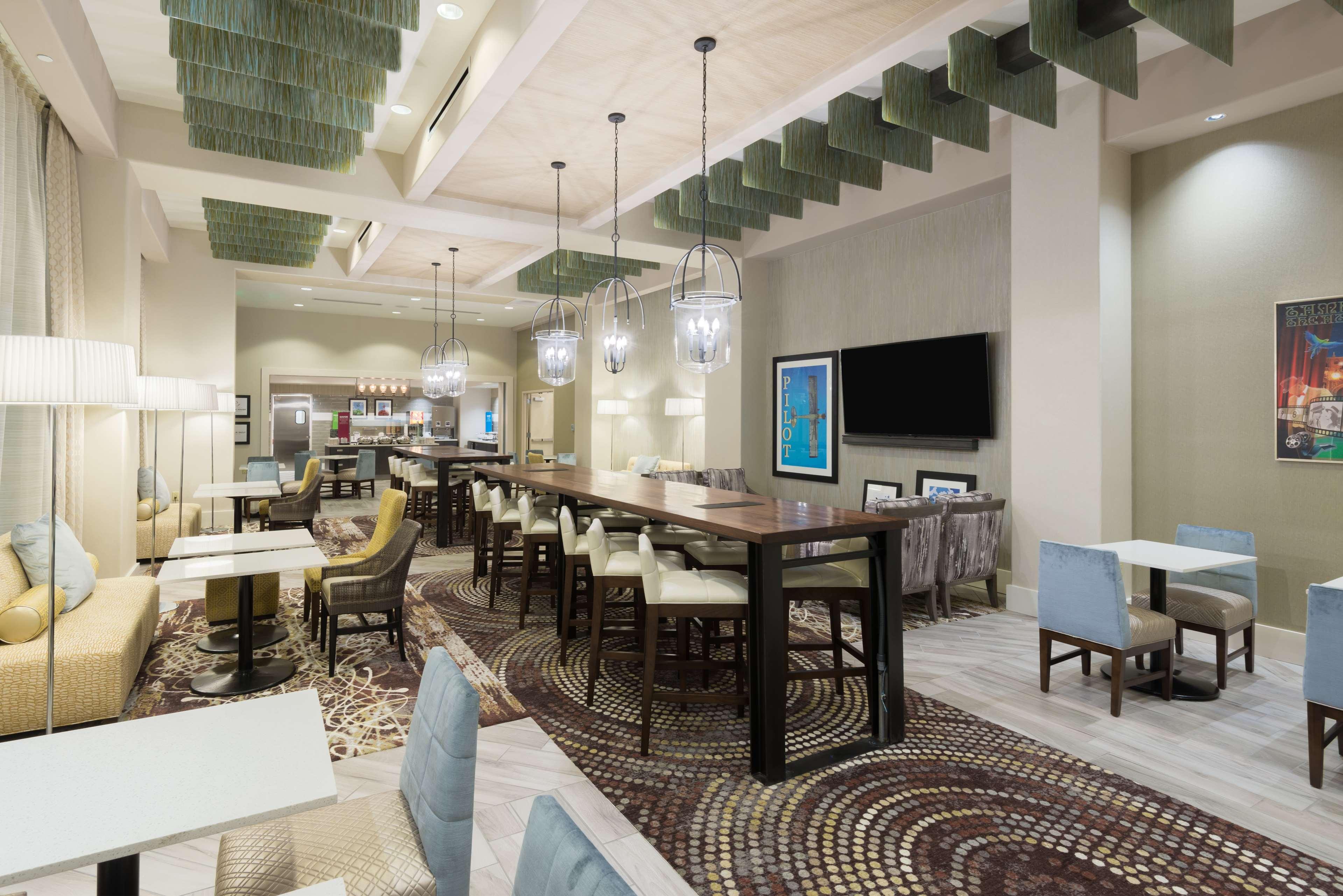 Hampton Inn & Suites Tampa Airport Avion Park Westshore image 5