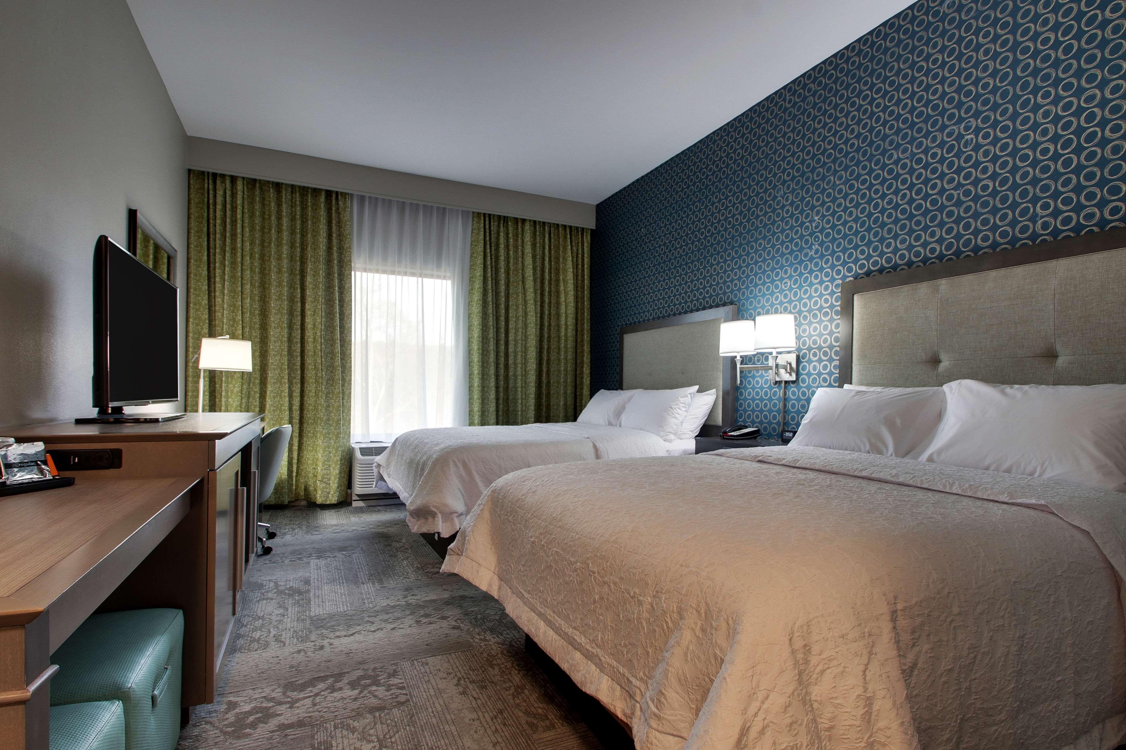 Hampton Inn & Suites Knightdale Raleigh image 11