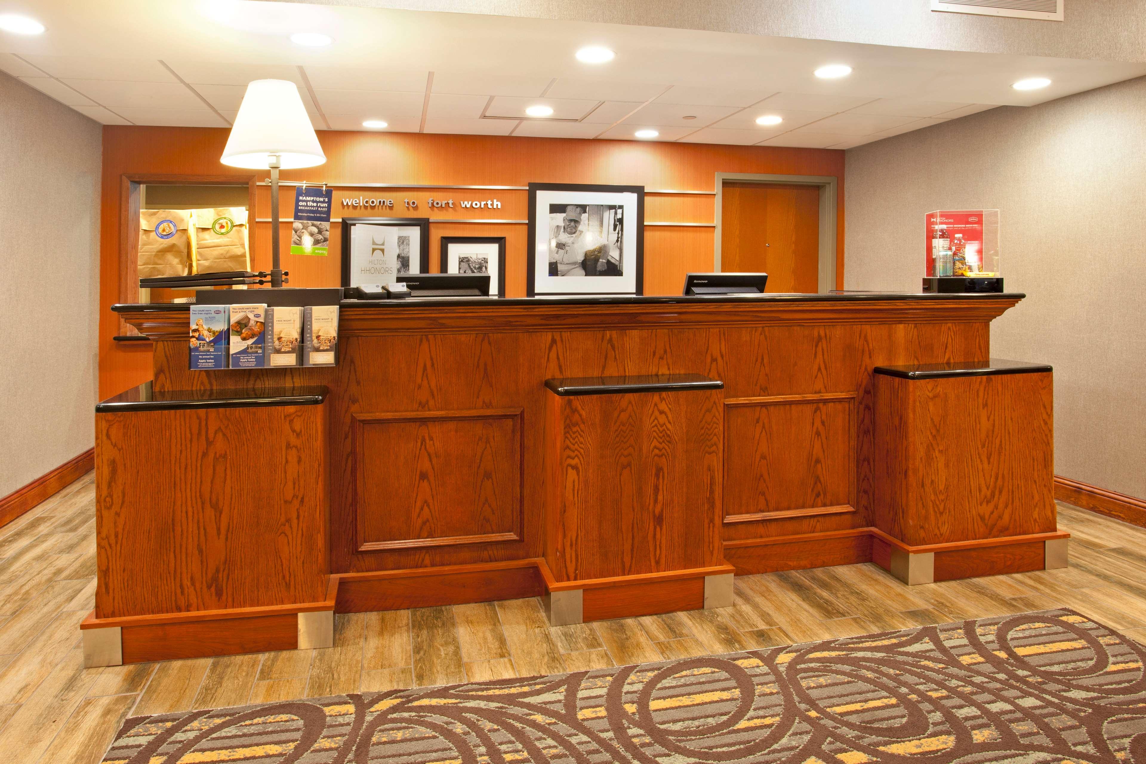 Hampton Inn & Suites Fort Worth-West-I-30 image 2