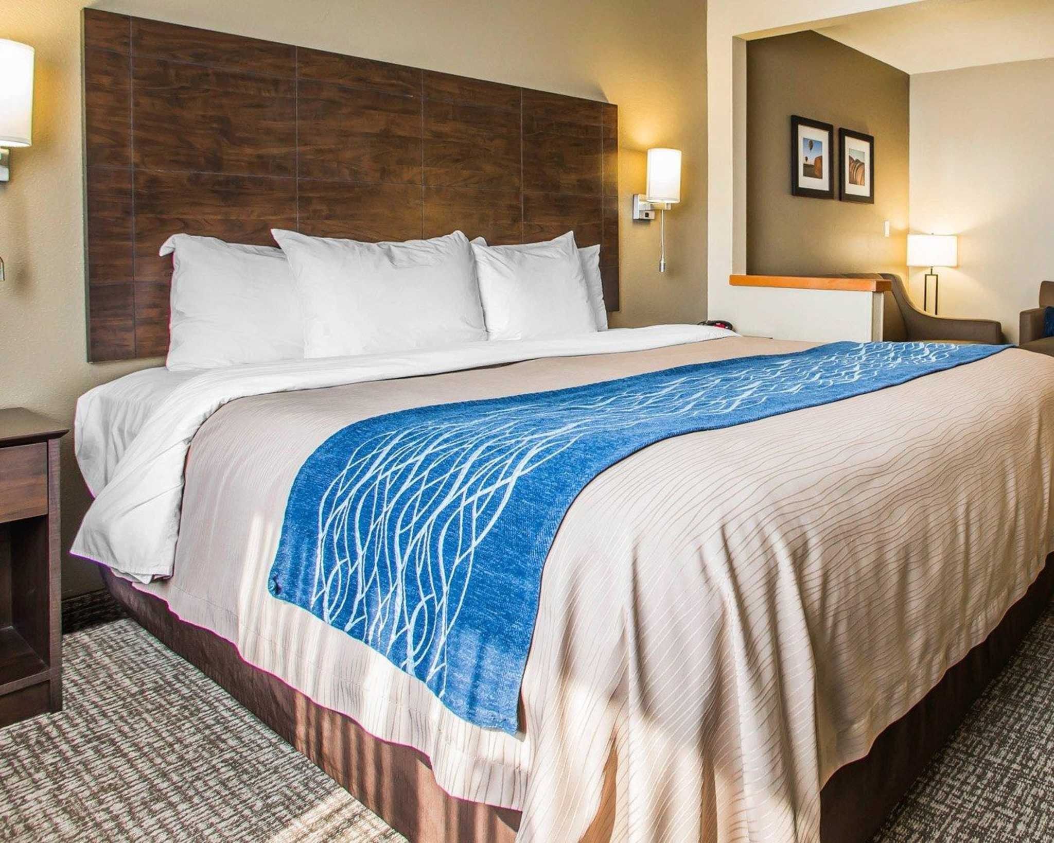 Comfort Inn & Suites Waterloo – Cedar Falls image 27