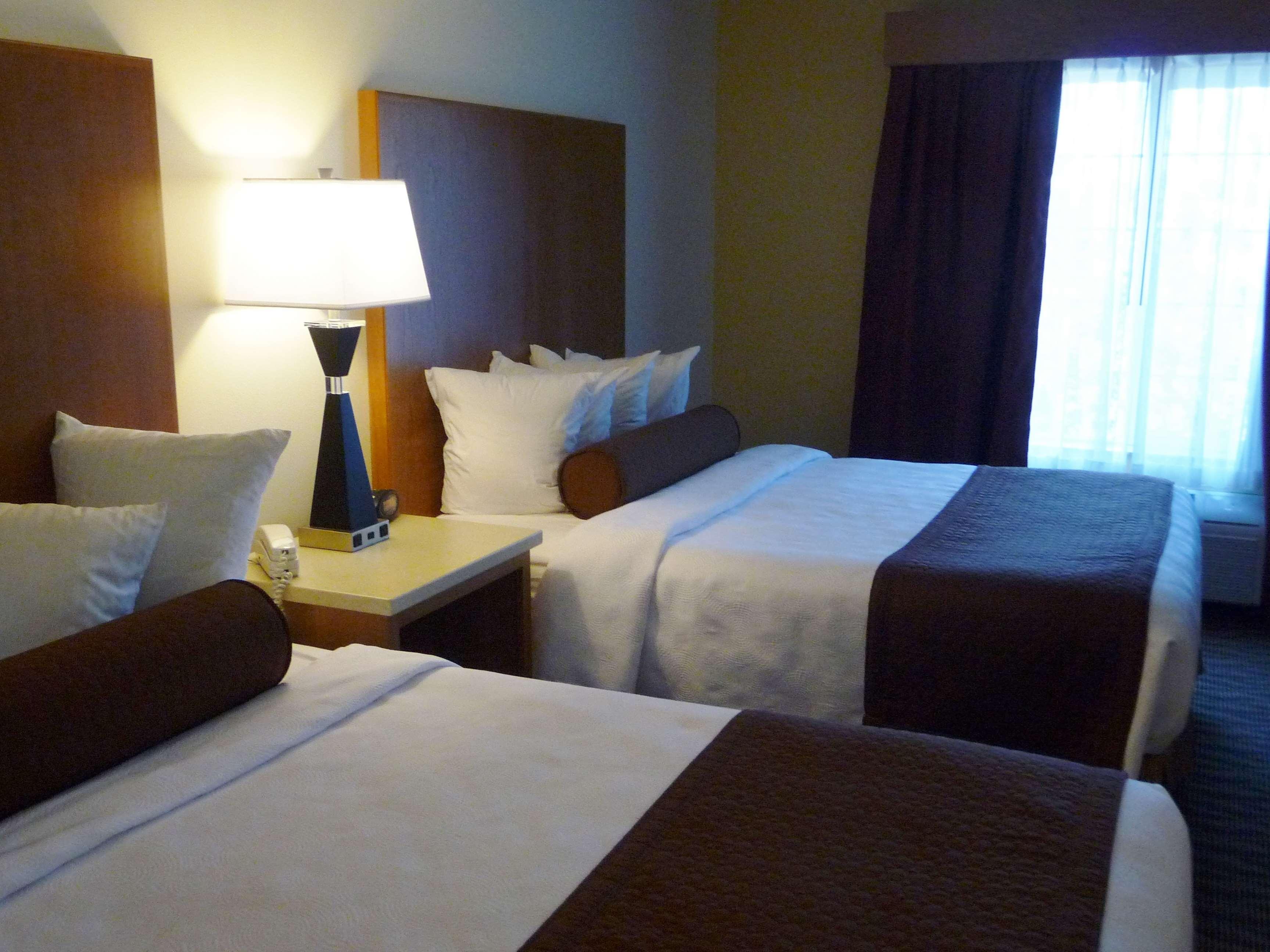 Best Western Plus Park Place Inn & Suites image 18