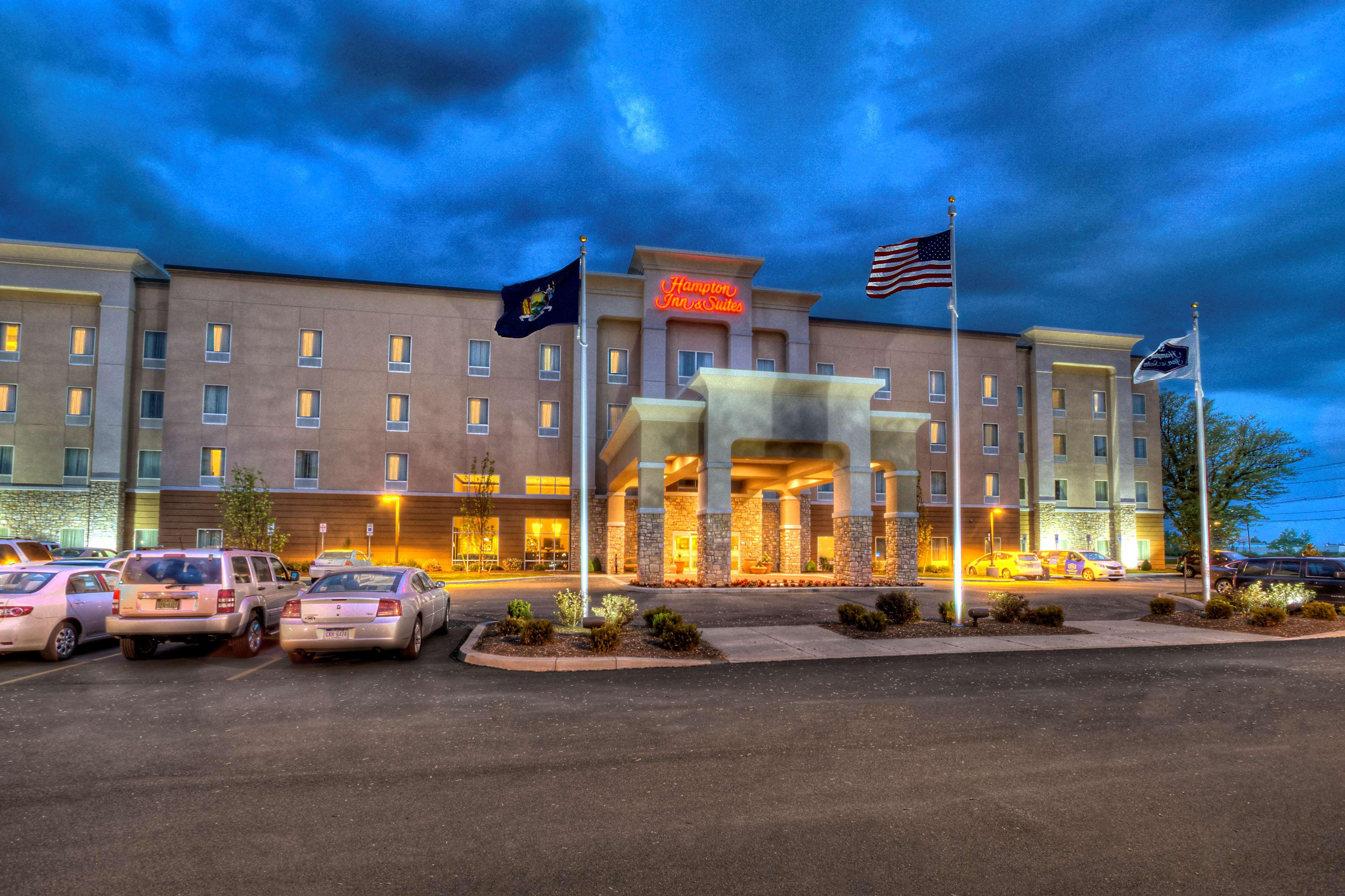 Hampton Inn & Suites Rochester/Henrietta image 3