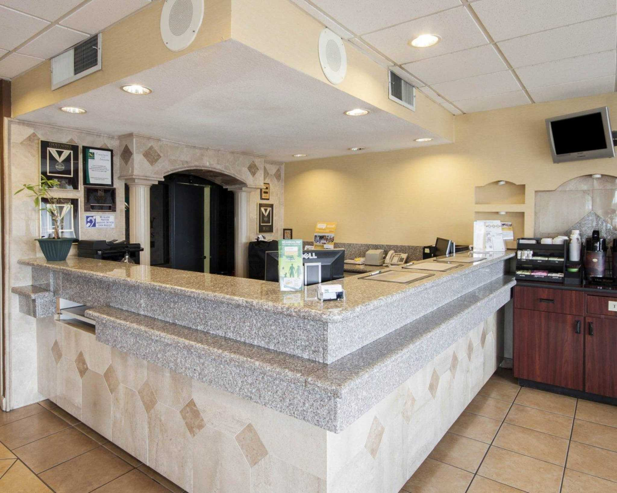 Quality Inn & Suites Airport image 12