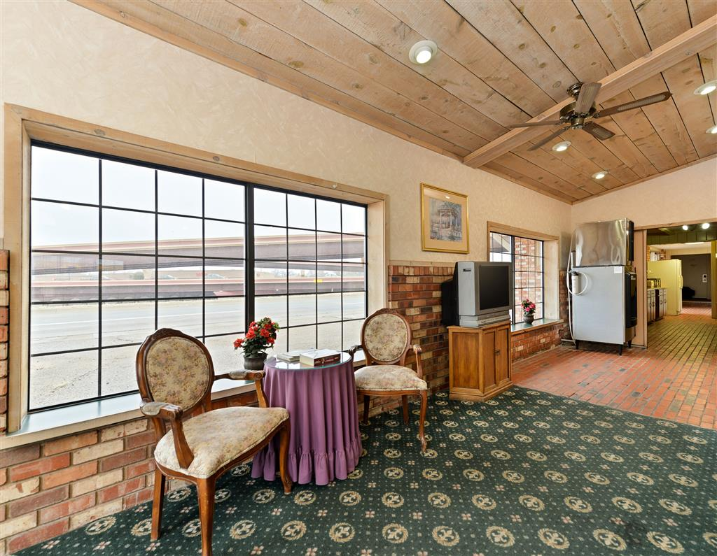 Americas Best Value Inn - Medical Center / Lubbock image 2