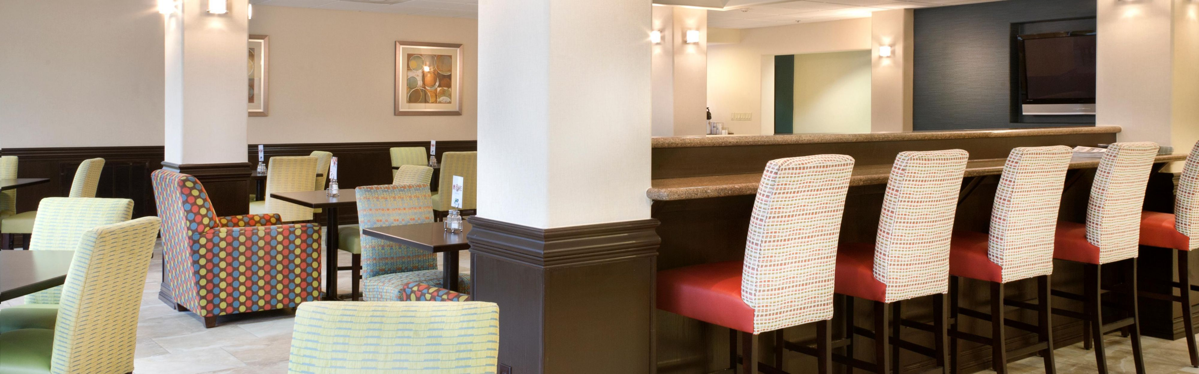 Holiday Inn Express & Suites Brownsville image 3