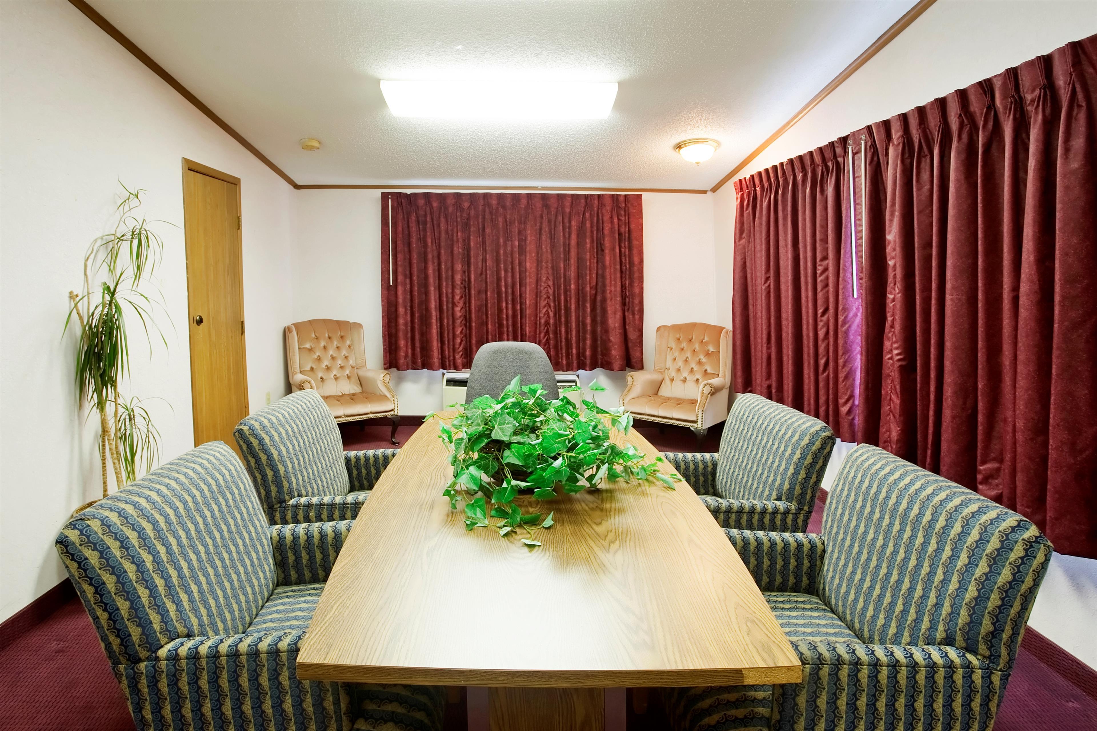 Americas Best Value Inn & Suites Monroe image 10