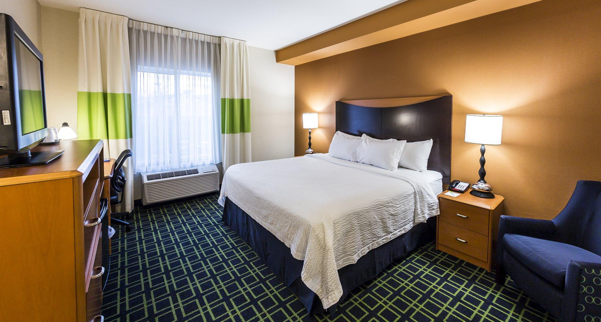 Fairfield Inn & Suites by Marriott Harrisburg West image 1