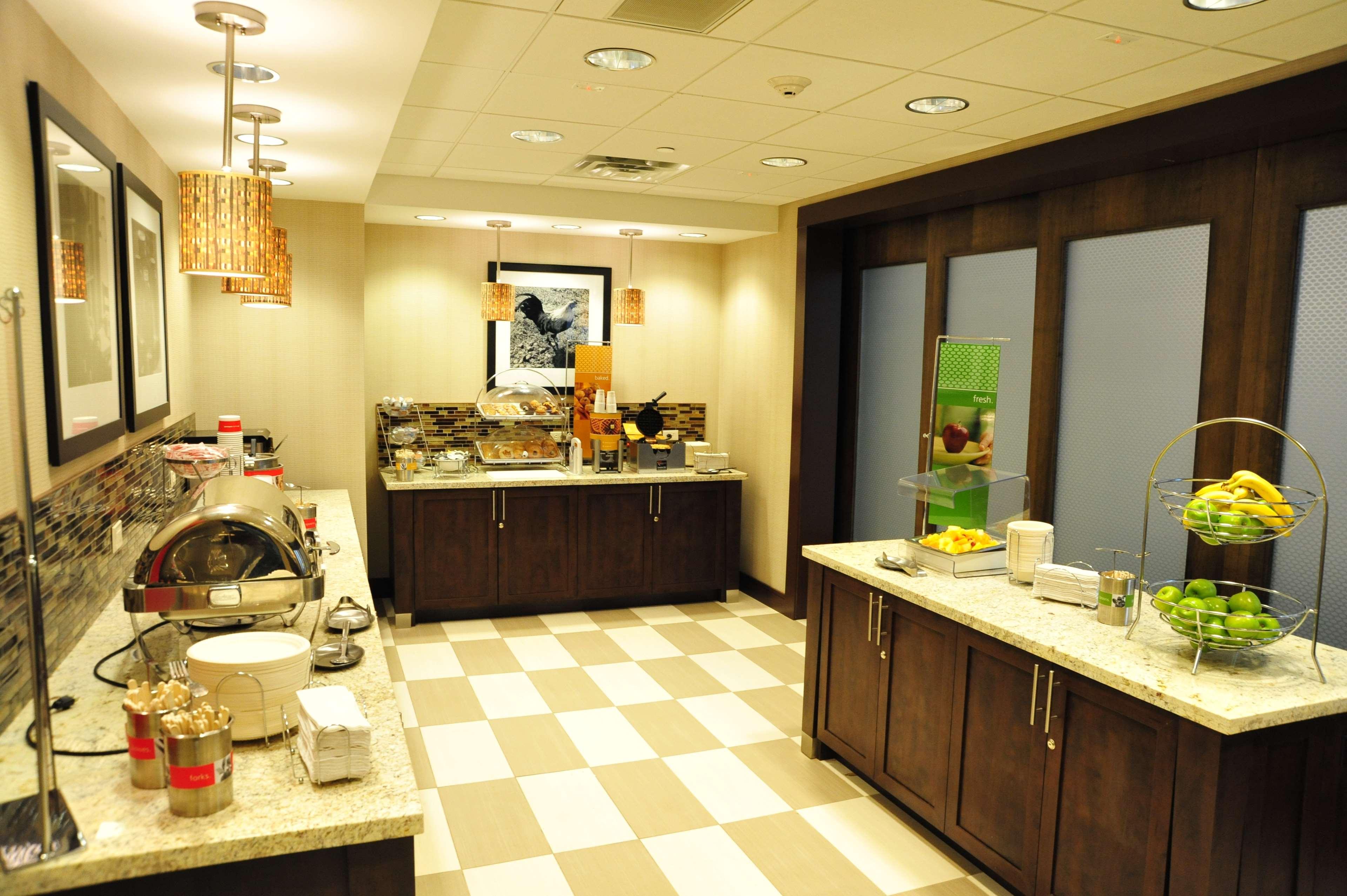 Hampton Inn & Suites Robbinsville