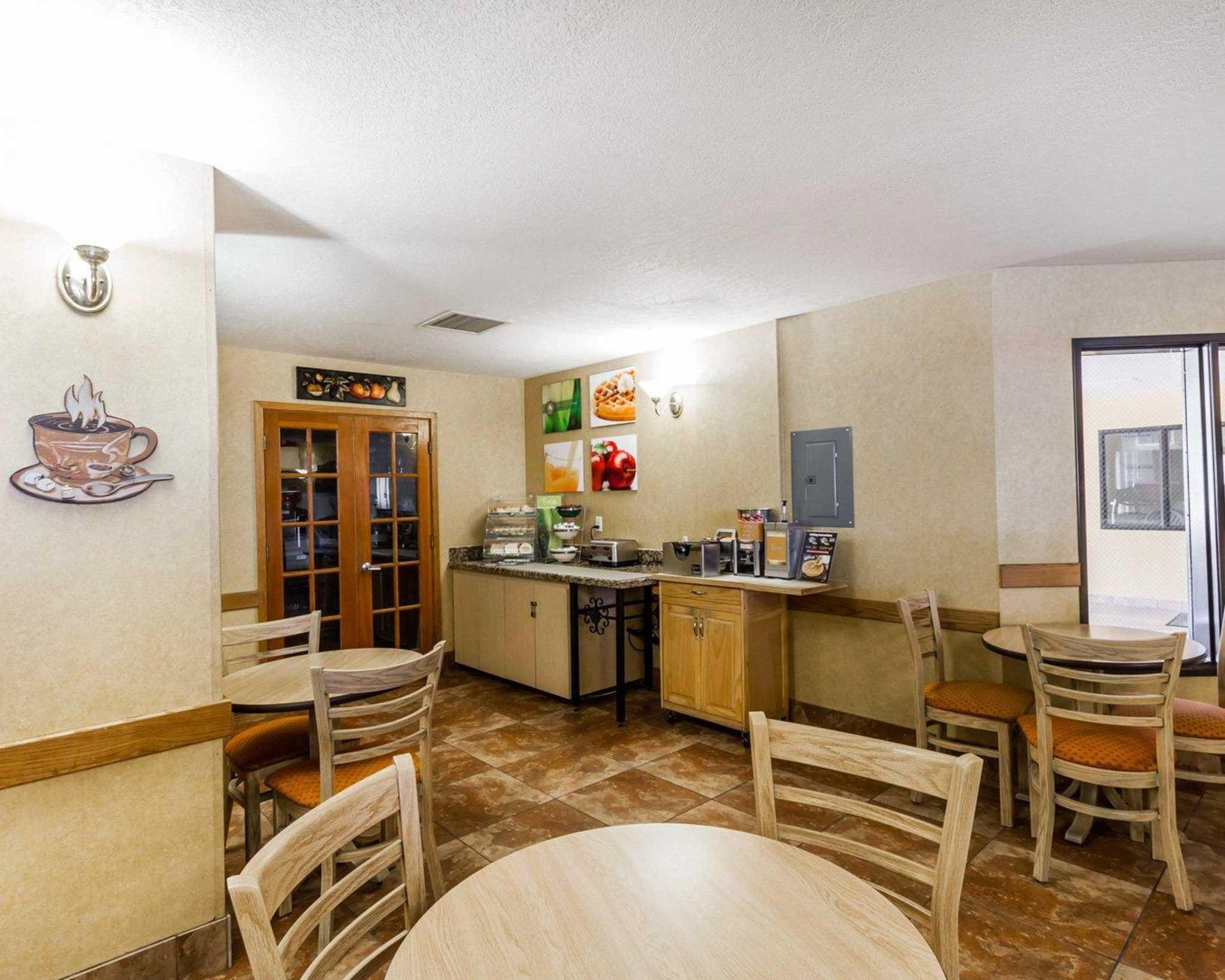 Quality Inn & Suites Surprise Near Sun City West image 27