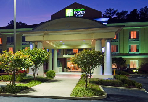 Holiday Inn Express & Suites Emporia image 0