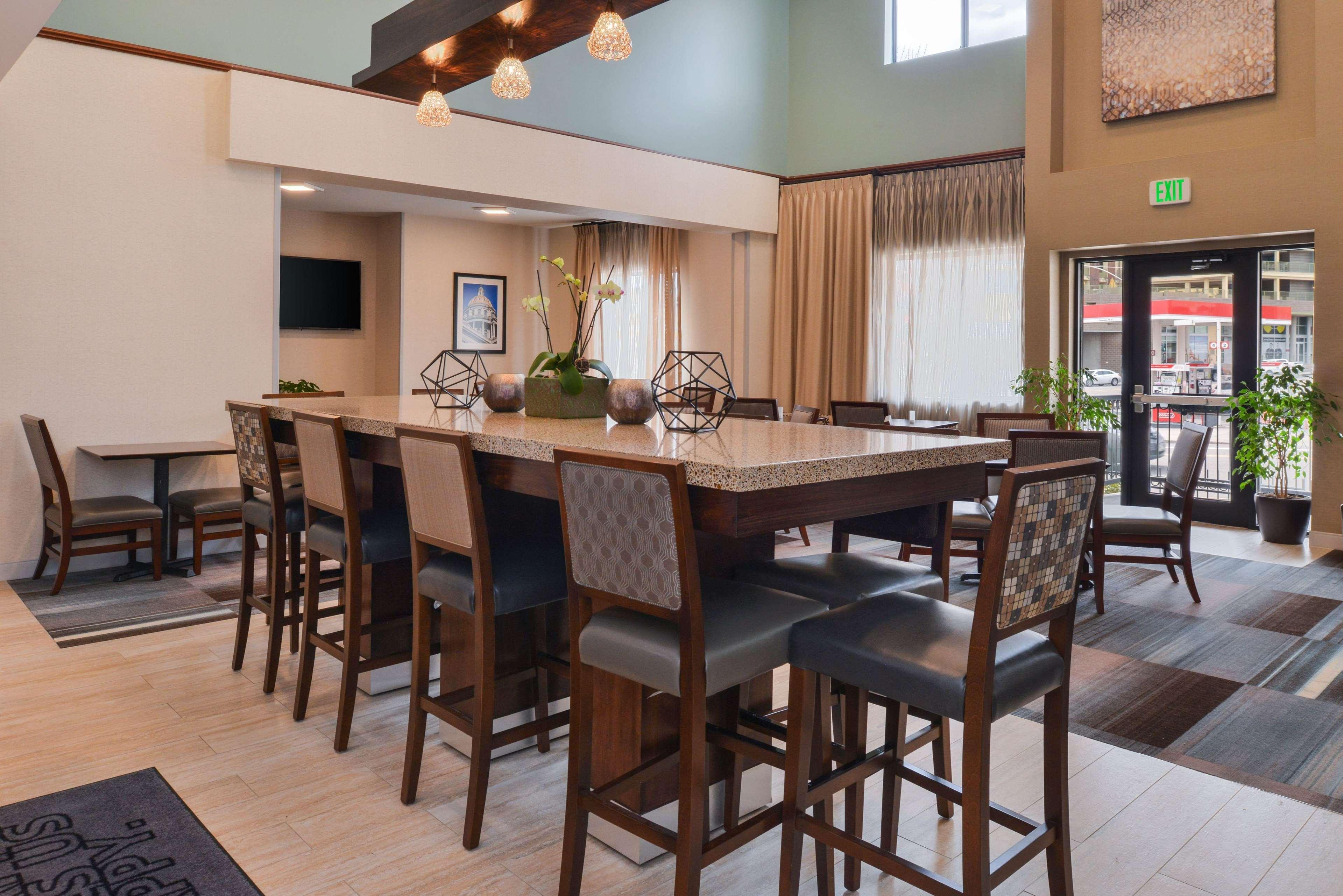 Hampton Inn & Suites Denver-Speer Boulevard image 45