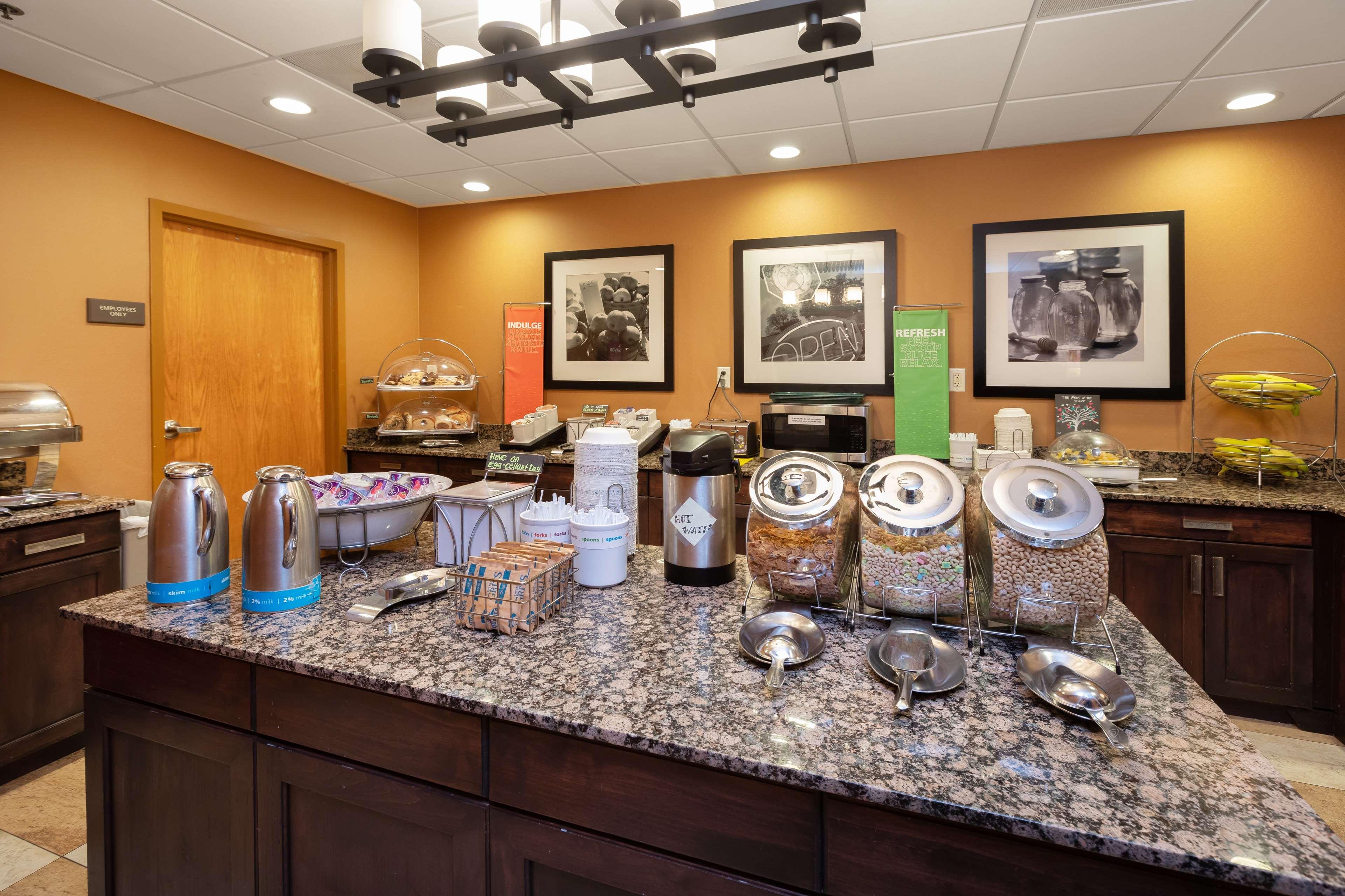 Hampton Inn & Suites Austin-Airport image 22