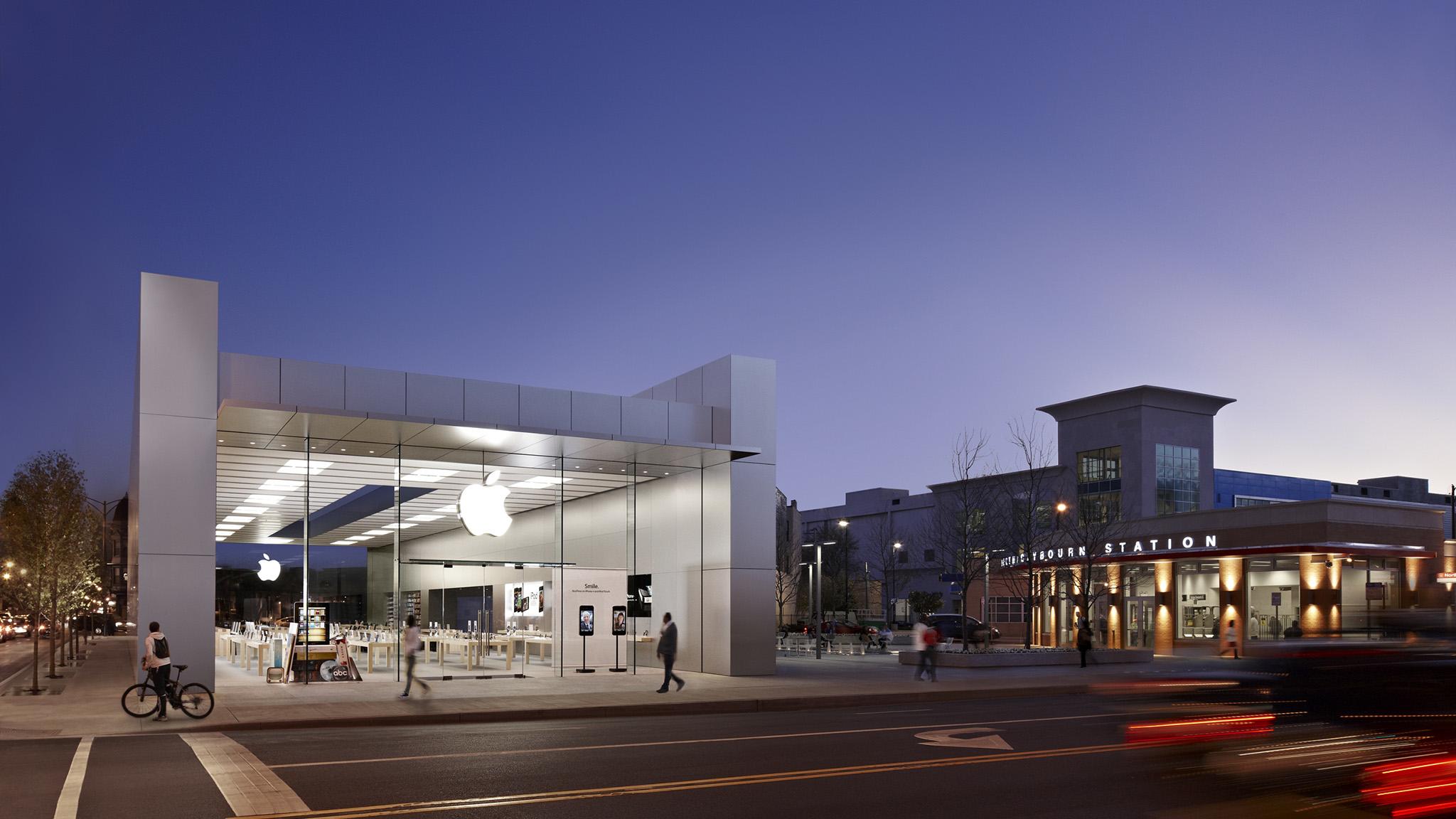 Apple Lincoln Park image 0
