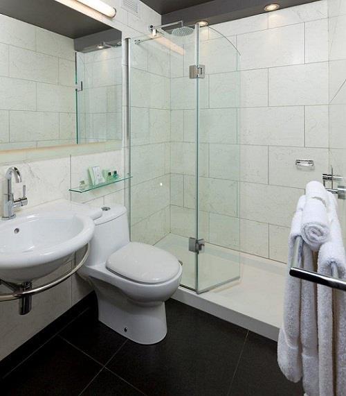 Best Western Premier Hotel Aristocrate à Quebec: Guest Bathroom