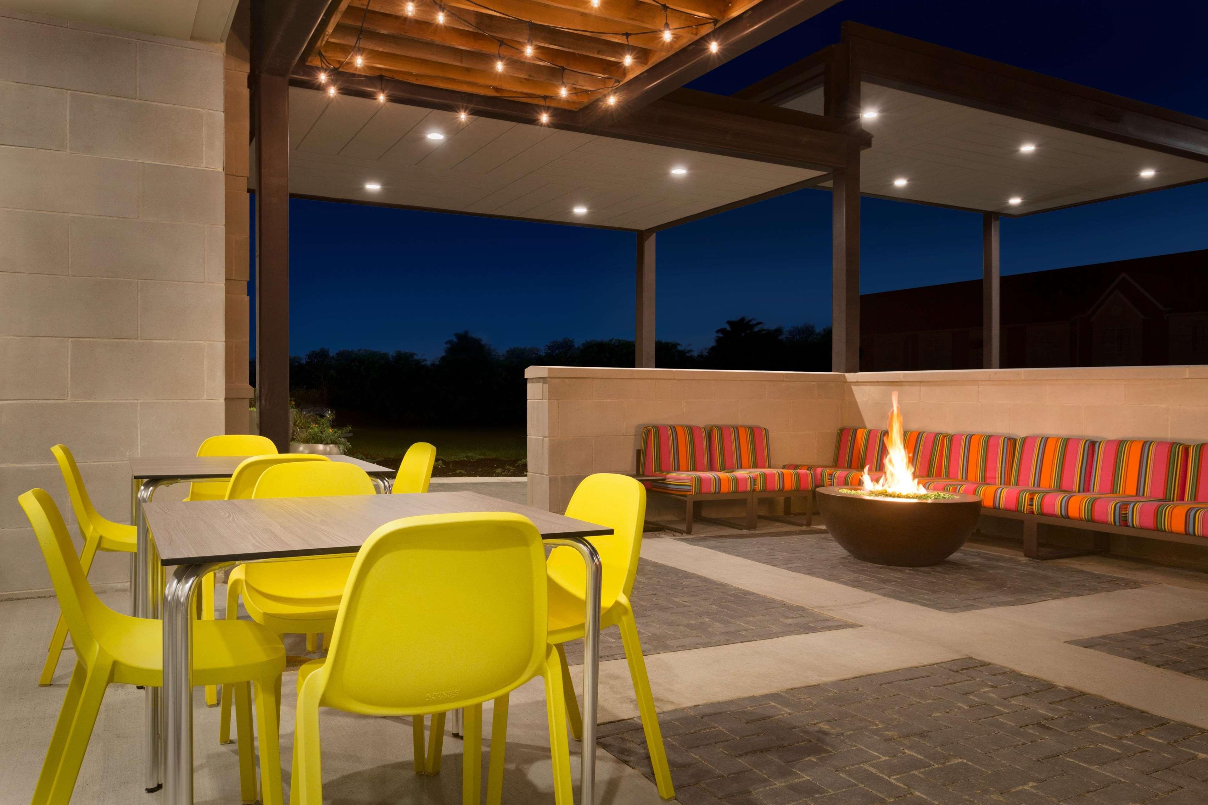 Home2 Suites by Hilton Florence Cincinnati Airport South image 3