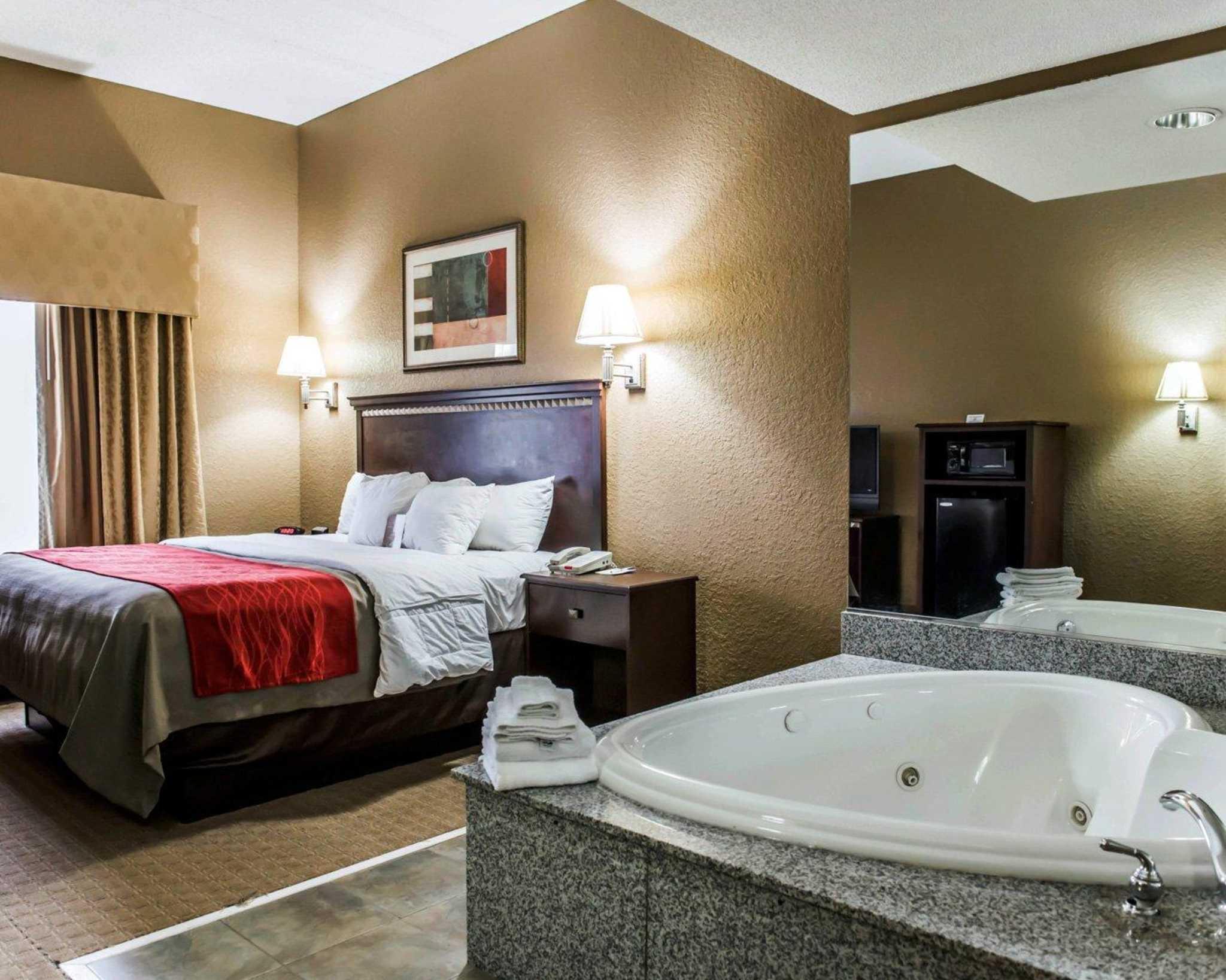 Comfort Inn & Suites Marianna I-10 image 4