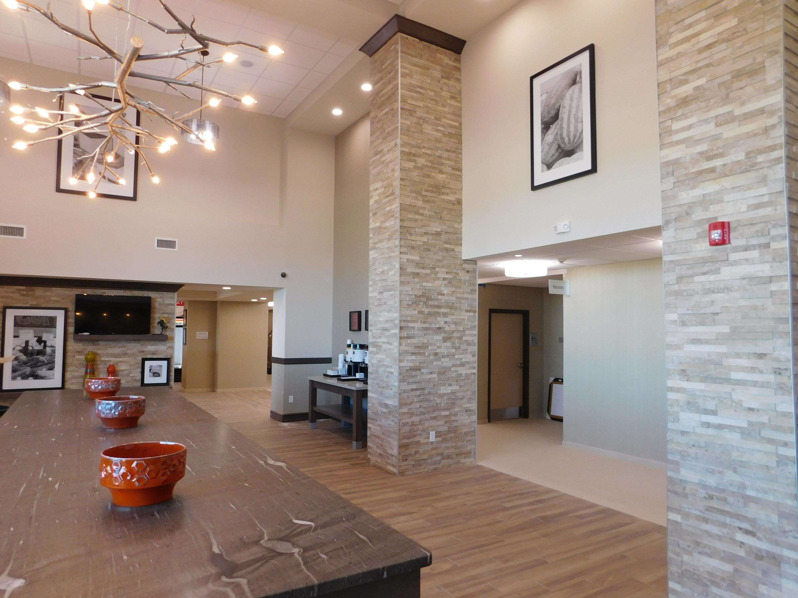 Hampton Inn & Suites Artesia image 0