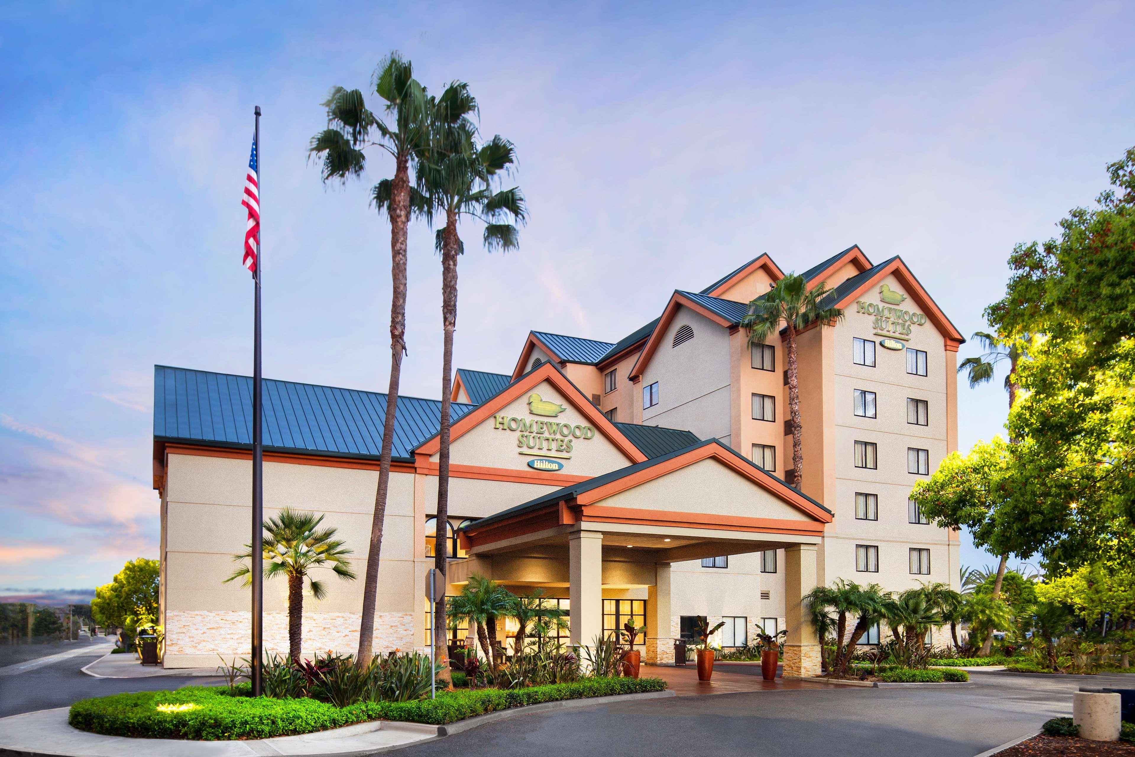 Homewood Suites by Hilton Anaheim-Main Gate Area image 0
