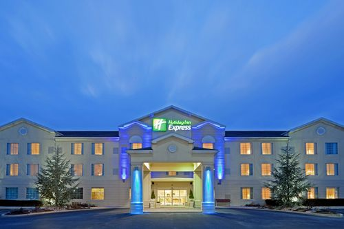 Holiday Inn Express & Suites Reading image 0