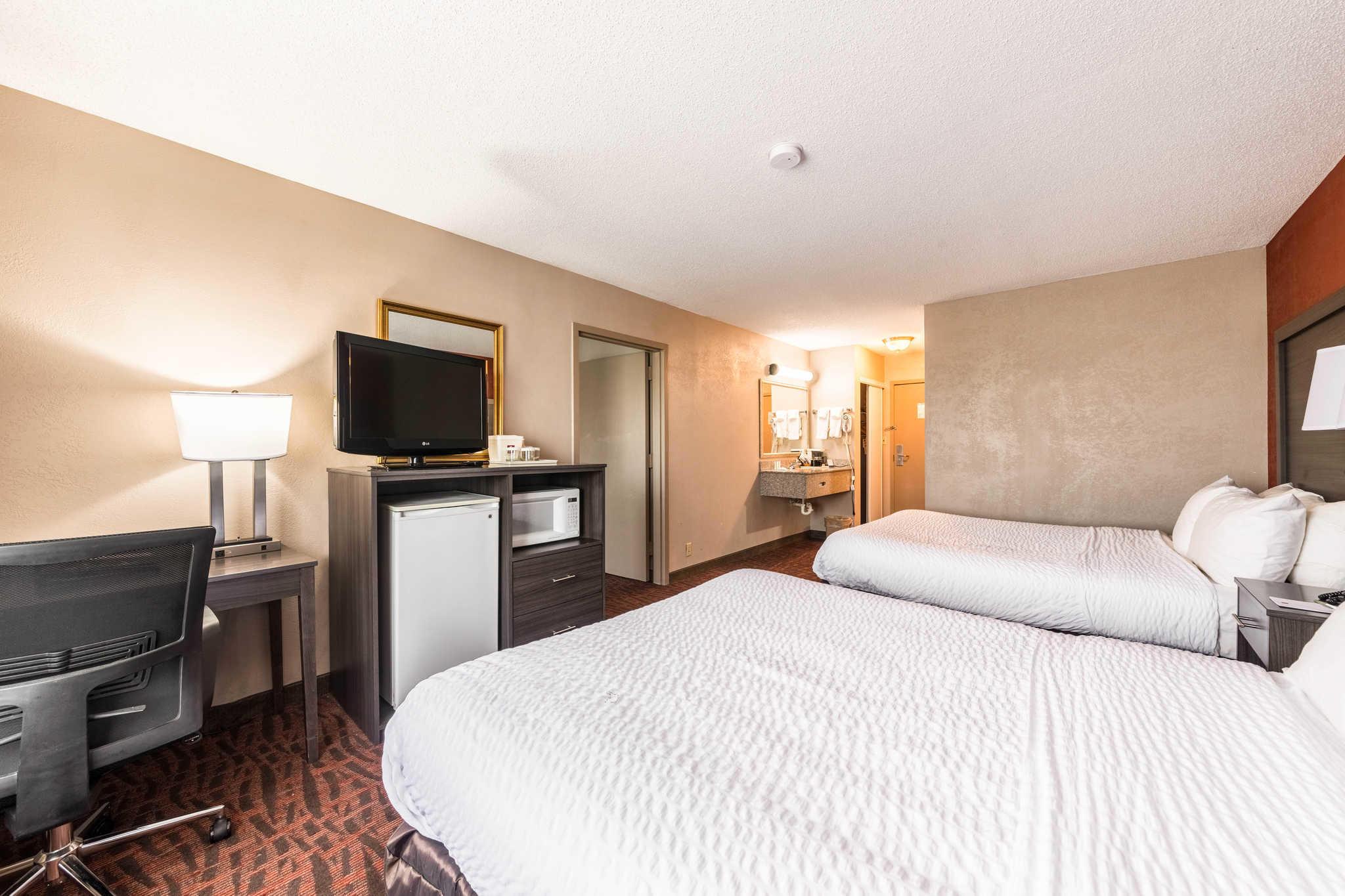Clarion Inn & Suites image 33