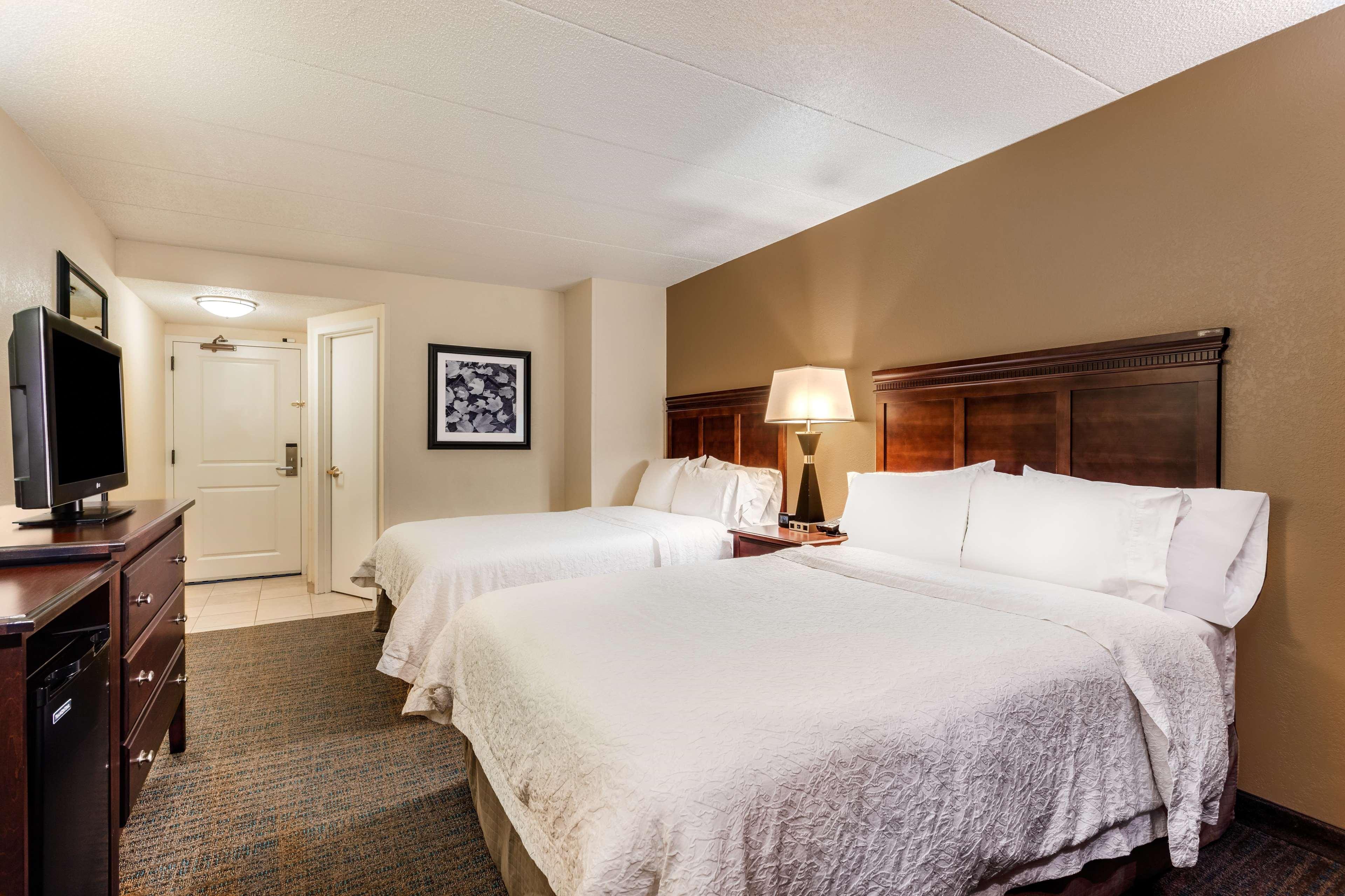 Hampton Inn Milwaukee/Brookfield image 12