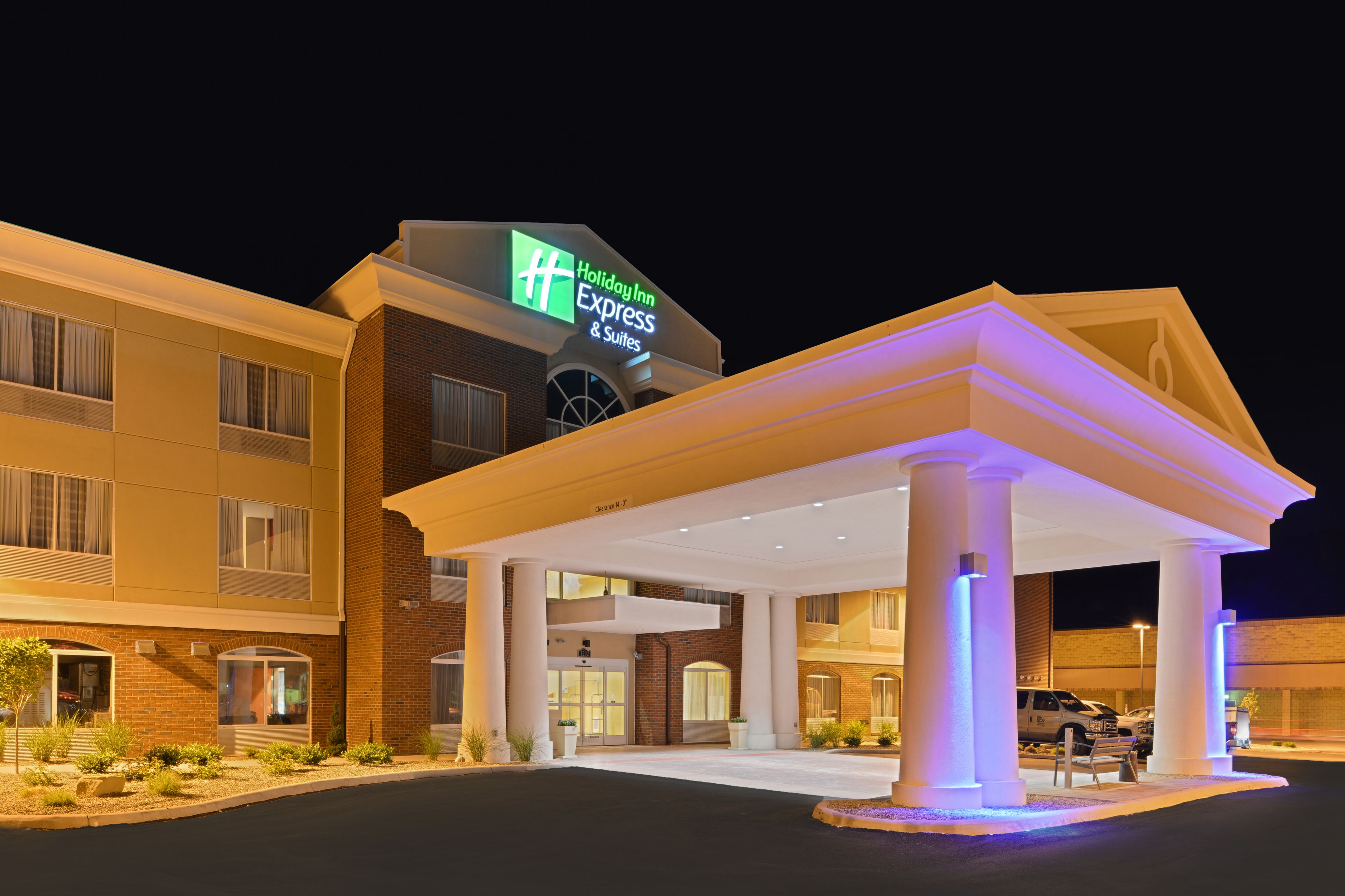 Holiday Inn Express & Suites Inverness-Lecanto image 5