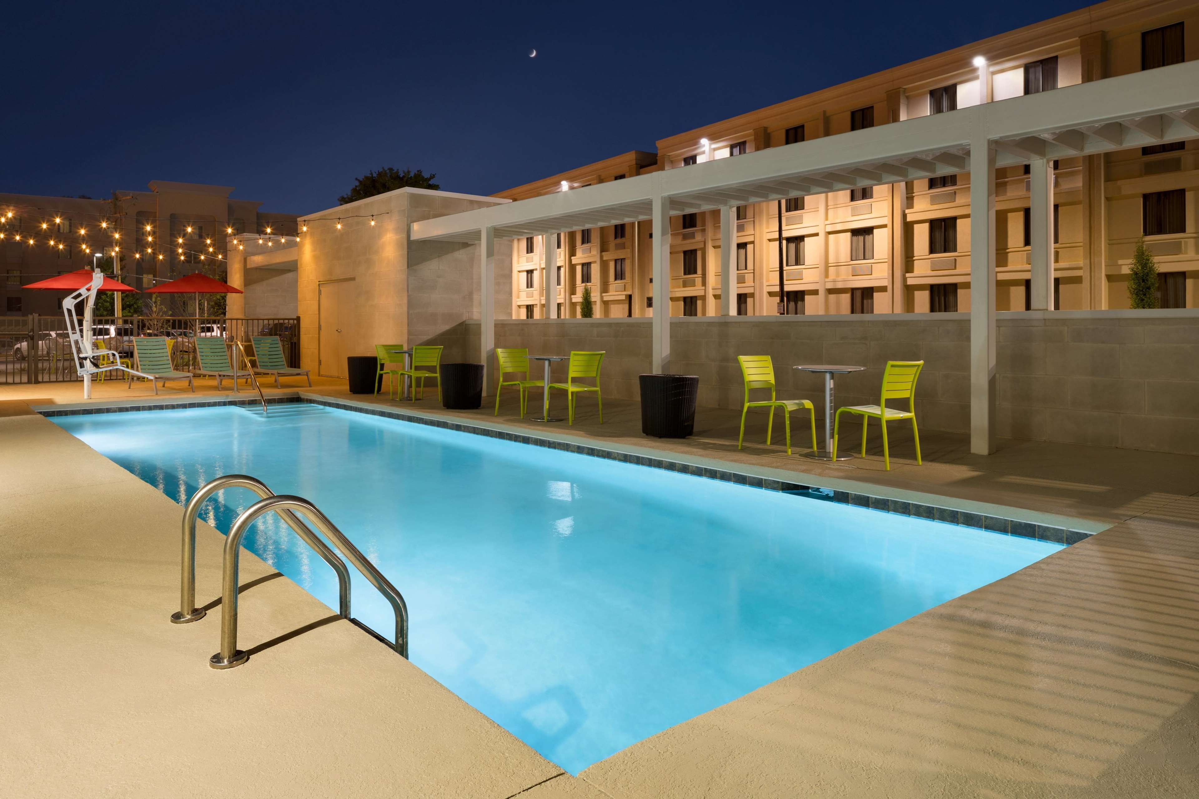 Home2 Suites by Hilton Charlotte Airport | Phone 704-398-2933 ...