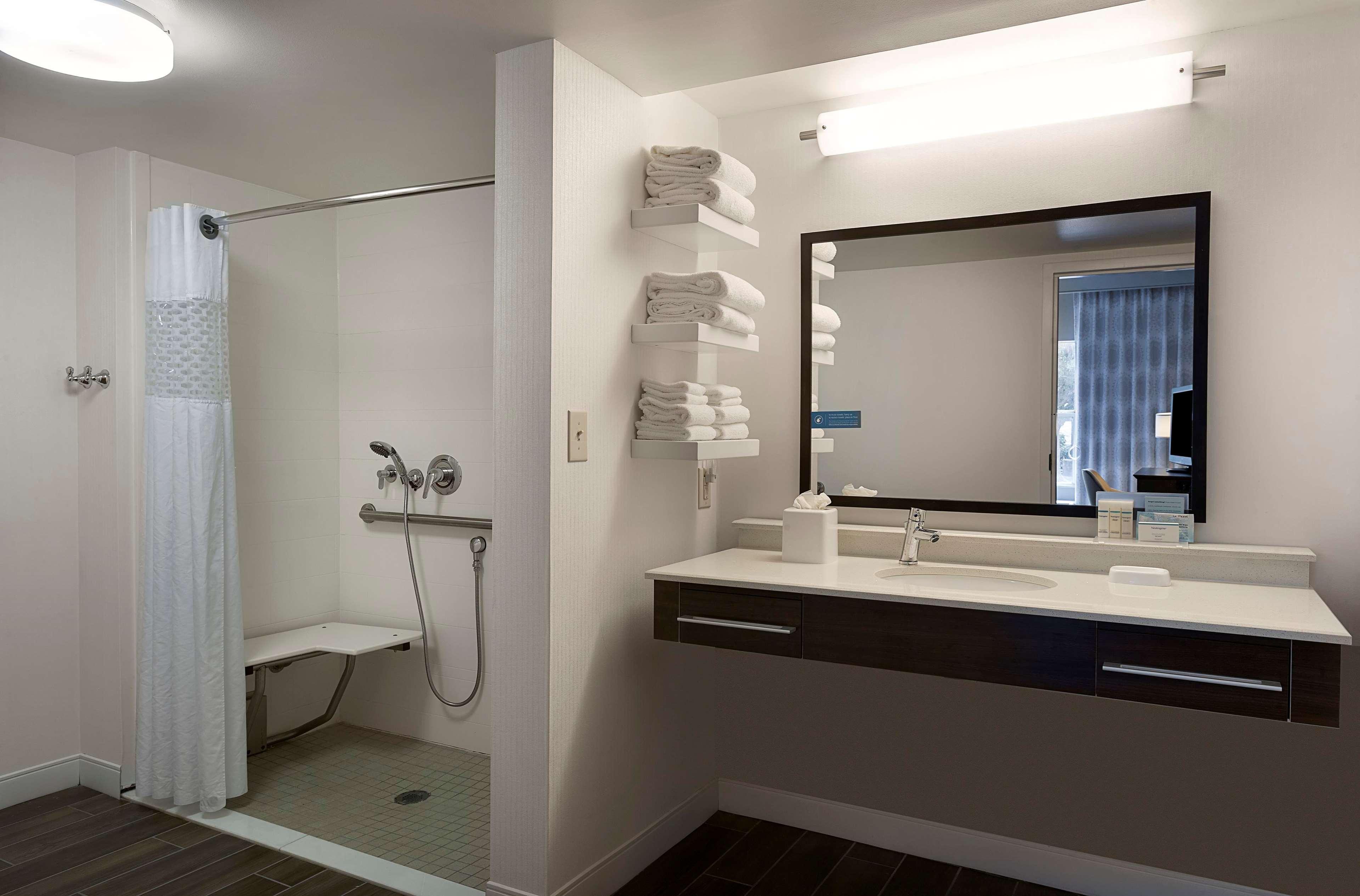 Hampton Inn & Suites Charlotte/Pineville image 5