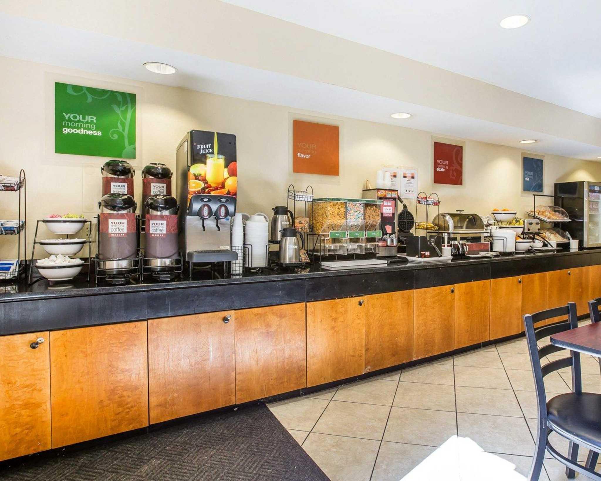 Quality Inn Darien-North Brunswick image 20