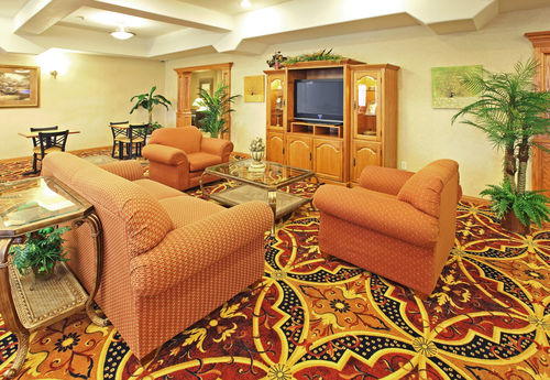 Holiday Inn Longview - North image 1