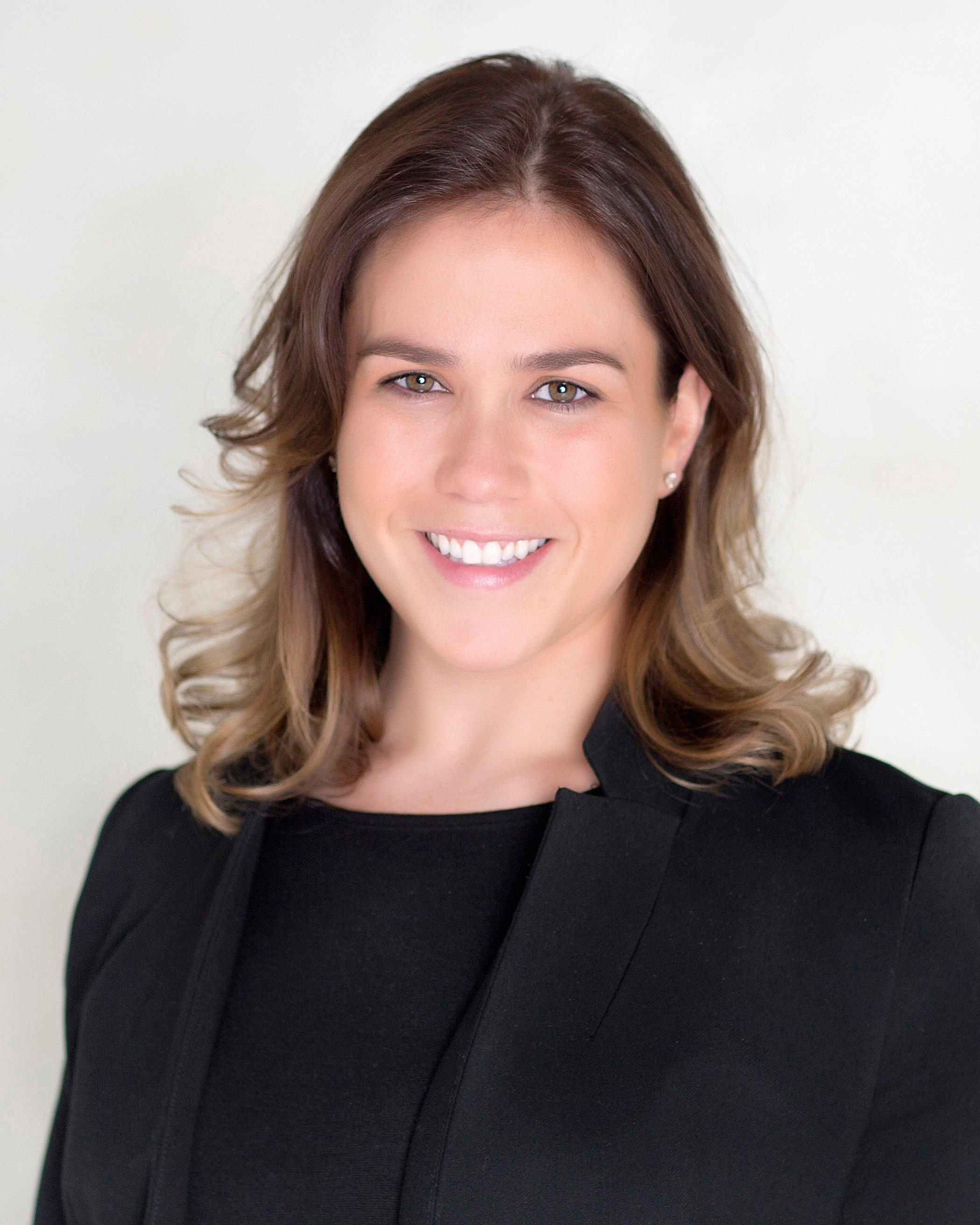 Michal Lipshitz earned her Juris Doctorate degree from Hofstra University School of Law where she was a clinician in the Mediation Clinic and a member of the Jewish Law Student Association and the Spo