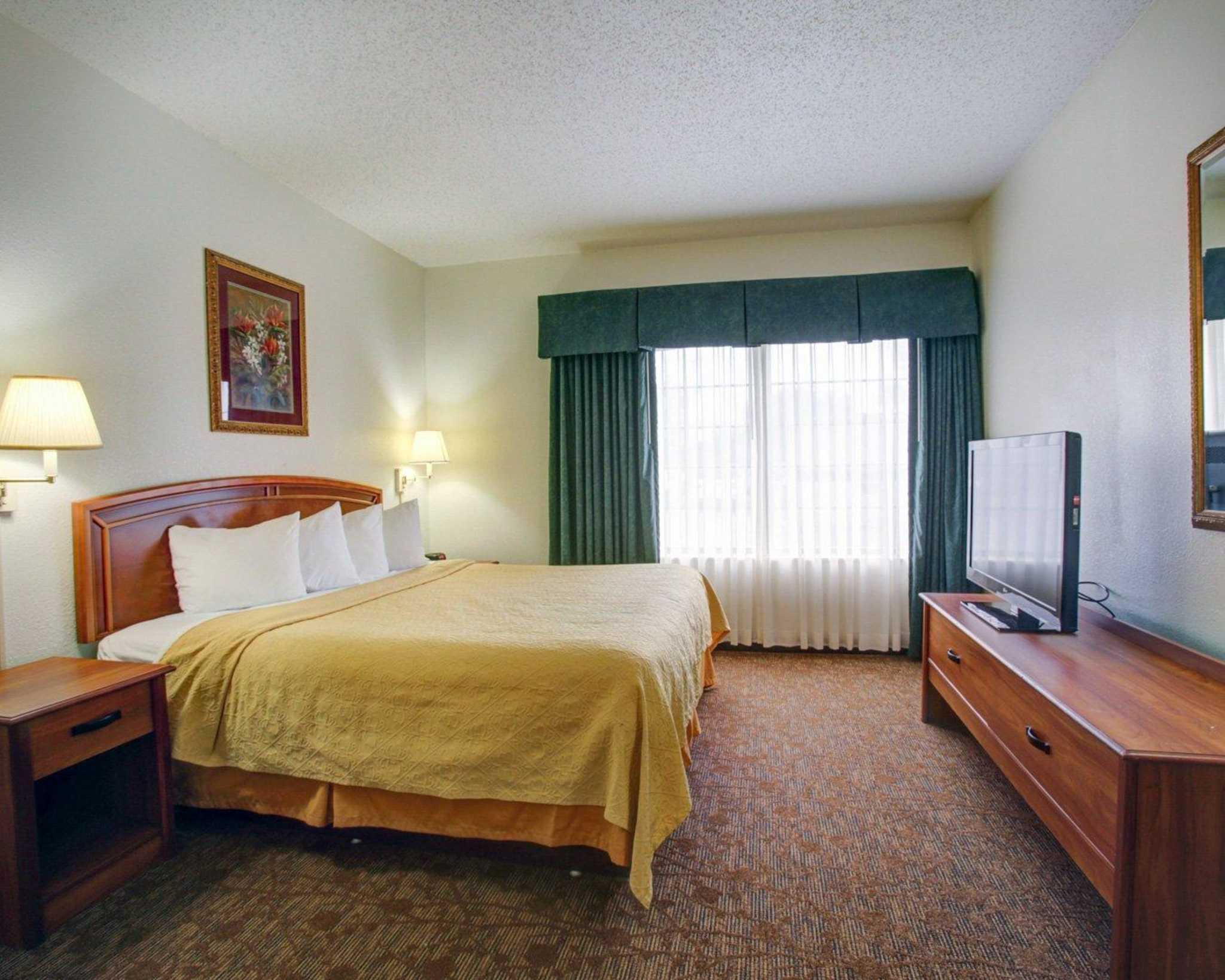 Quality Inn & Suites Airport image 29