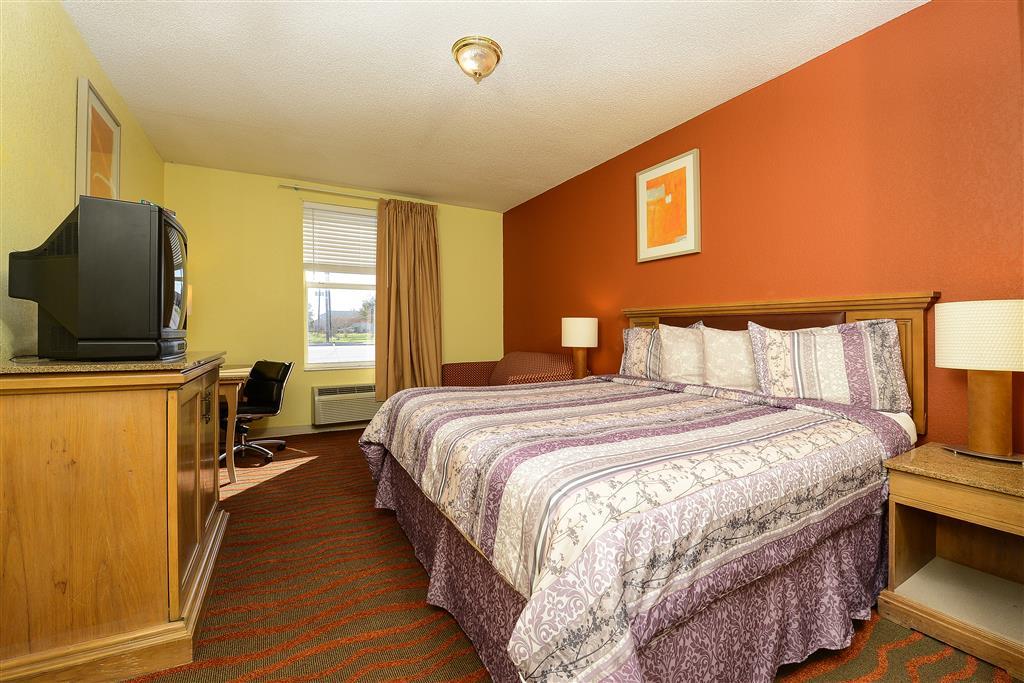 Americas Best Value Inn Winter Haven image 7