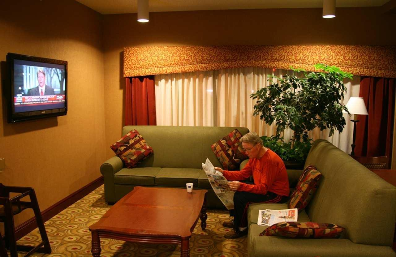 Hampton Inn Seattle/Southcenter image 1
