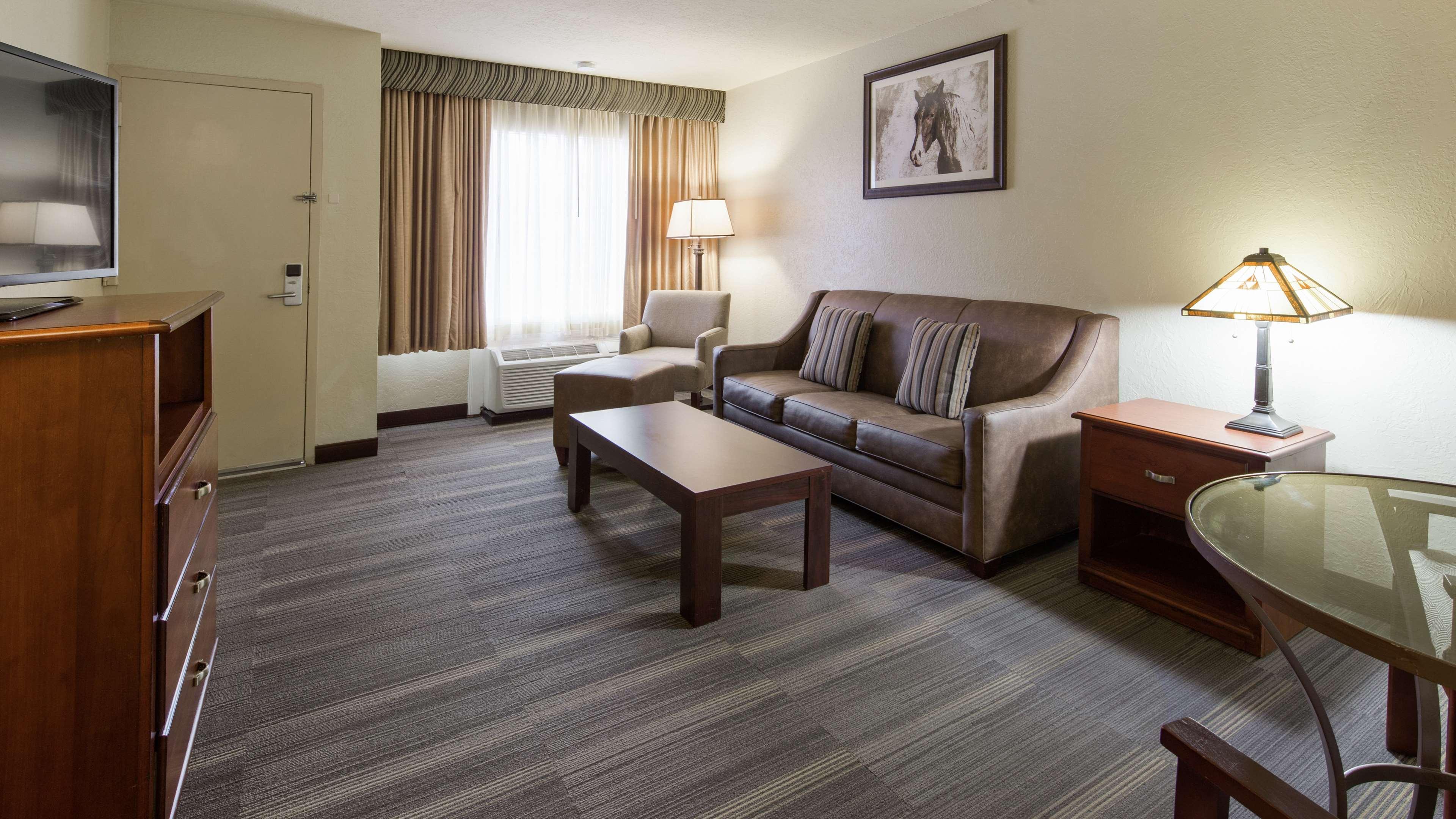 Best Western Plus Lawton Hotel & Convention Center image 15