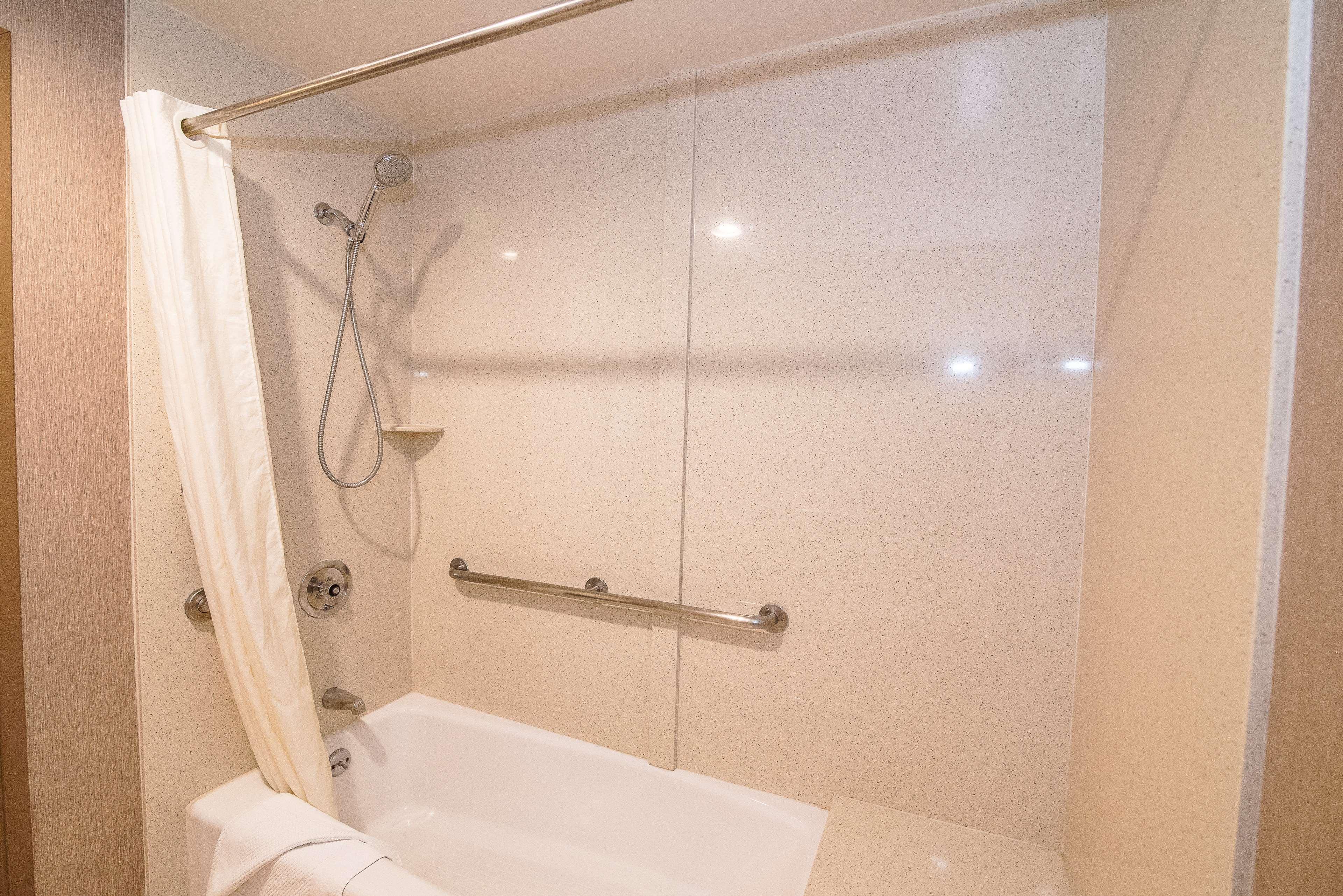 Best Western Plus Redondo Beach Inn image 31