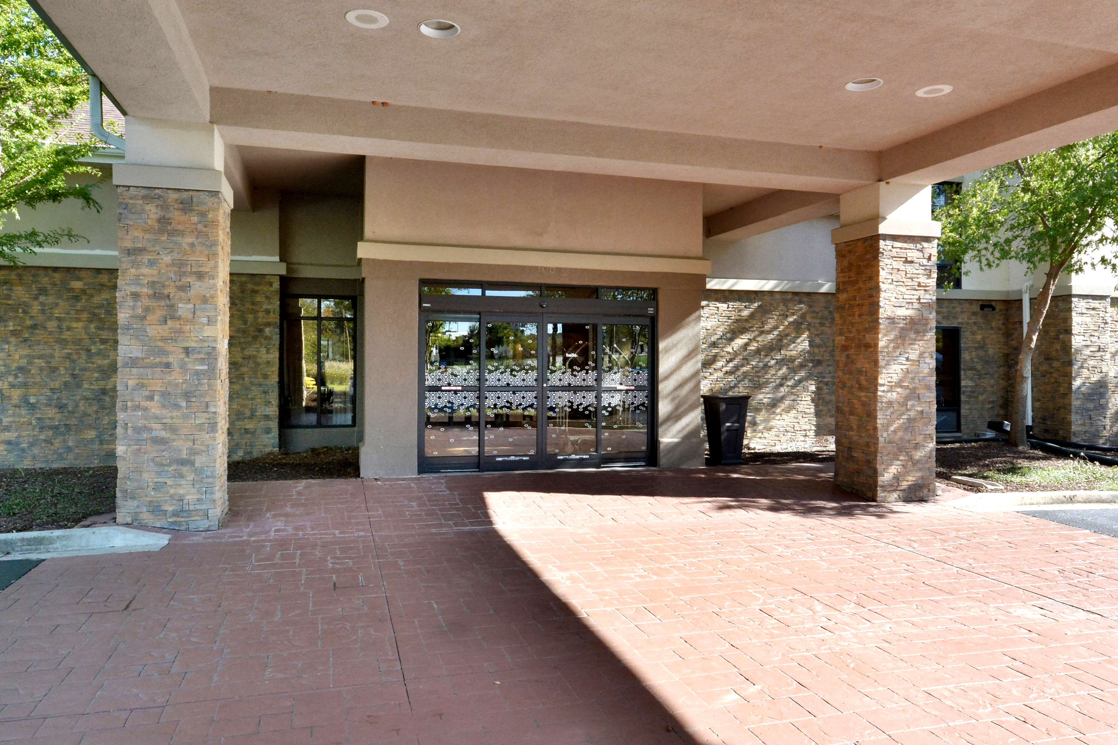 Hampton Inn & Suites Greenville/Spartanburg I-85 image 6